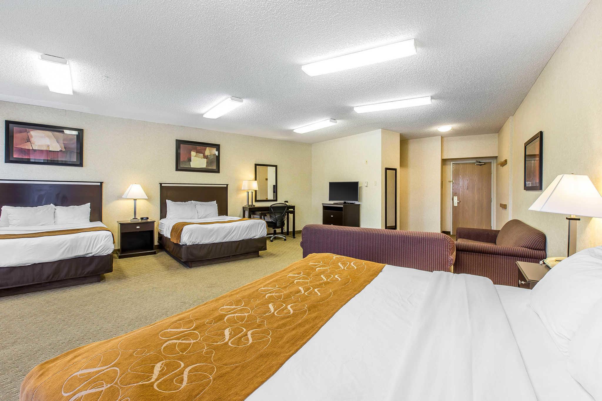 Comfort Suites Summit County image 10