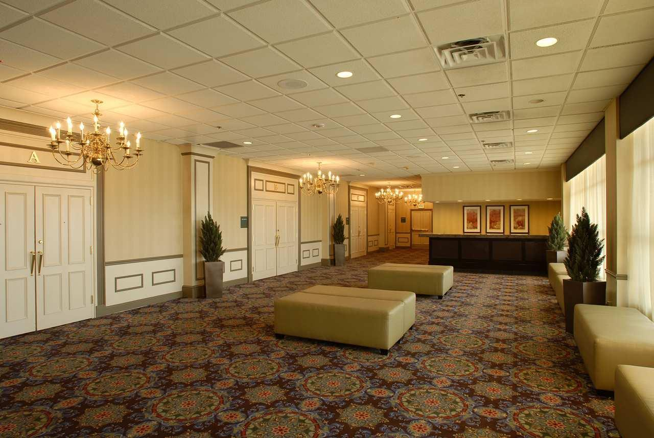 DoubleTree by Hilton Hotel Wilmington image 8
