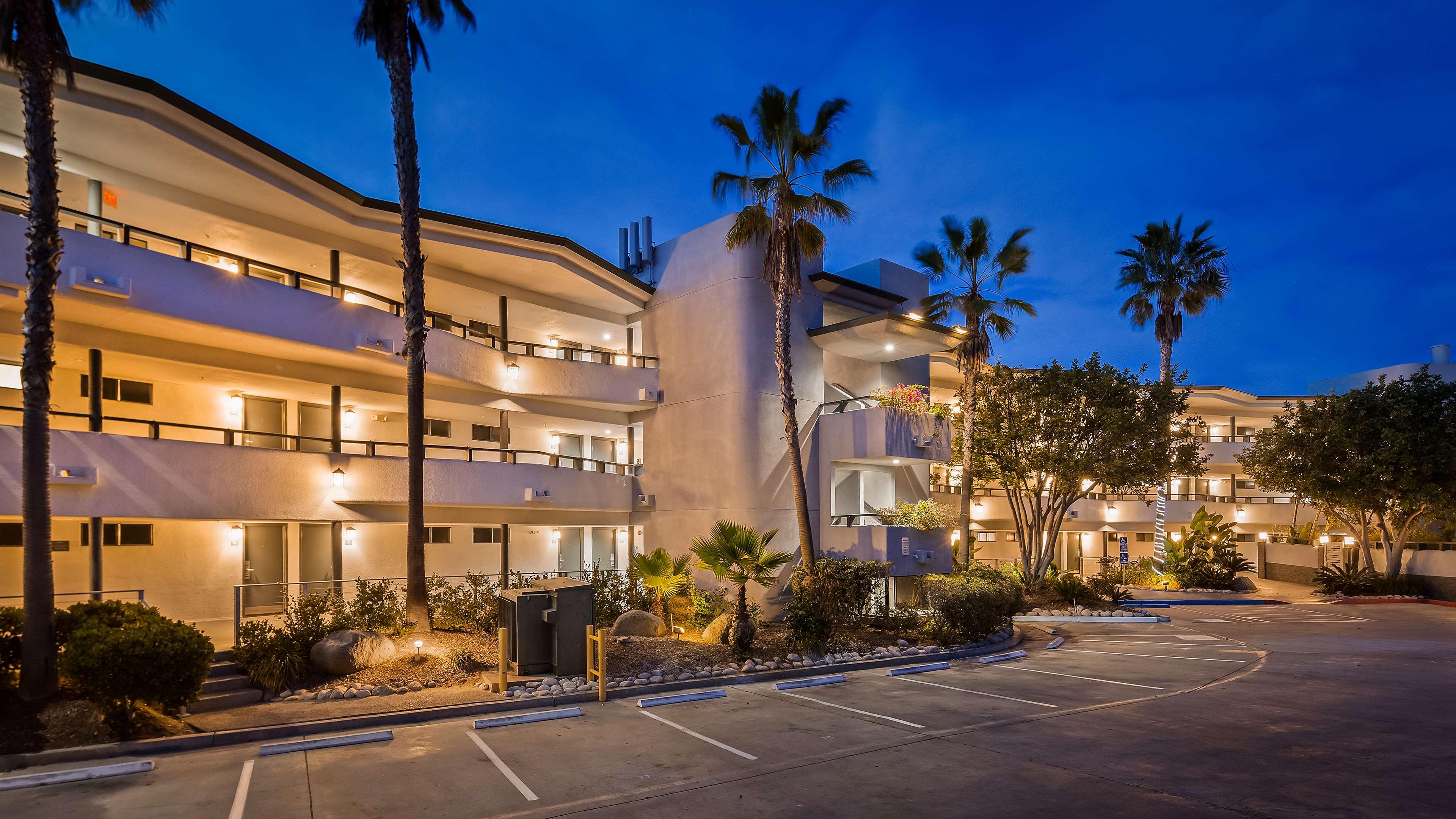 Best Western Encinitas Inn & Suites at Moonlight Beach image 0