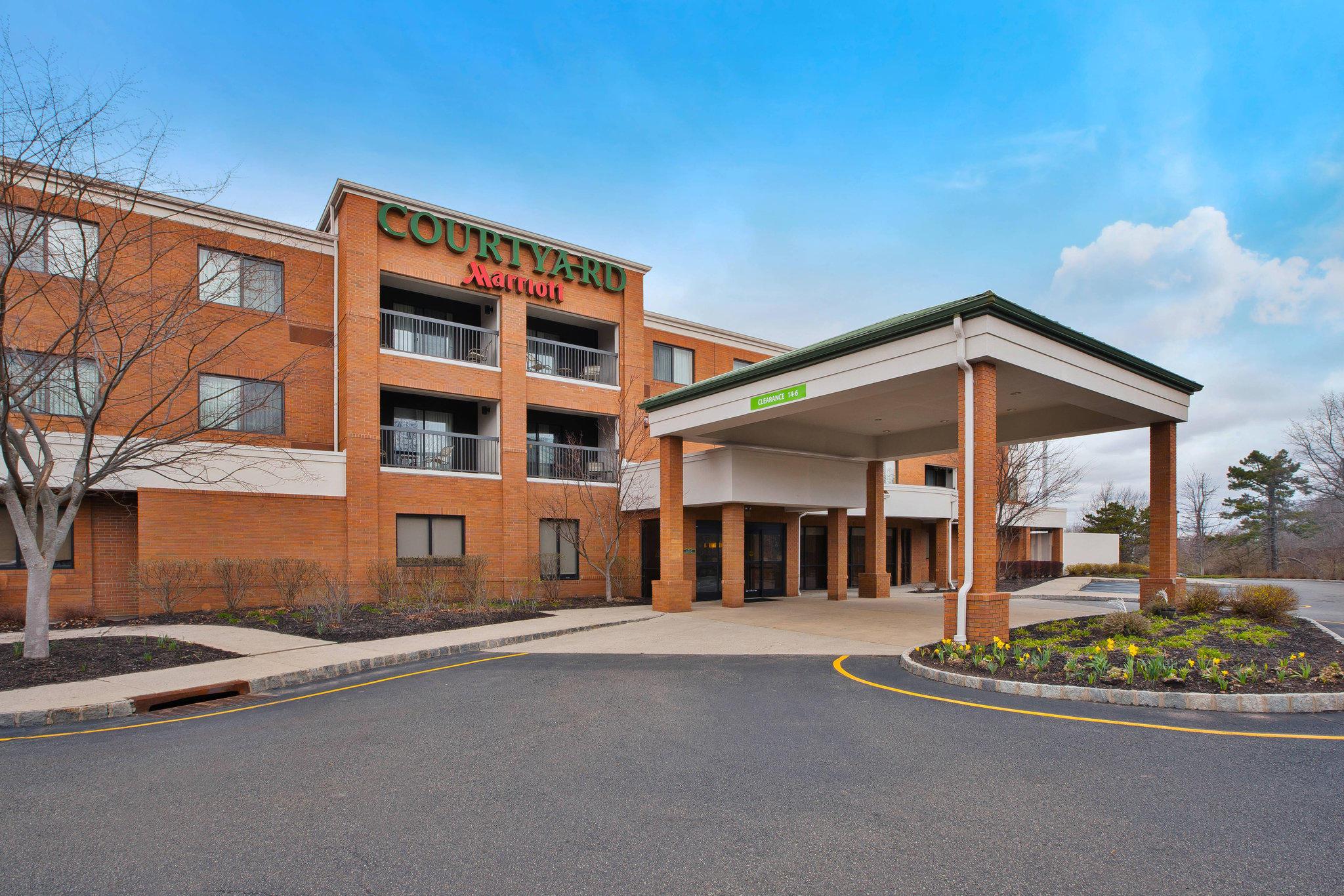 Courtyard by Marriott West Orange
