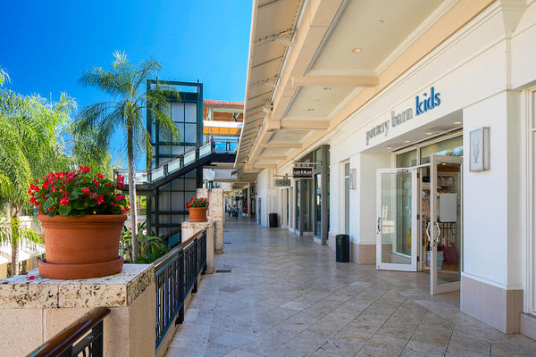 Shops at Merrick Park image 11