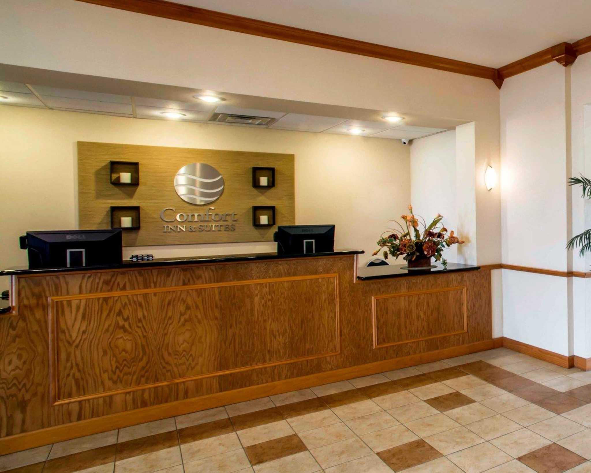 Comfort Inn & Suites Greenville I-70 image 11