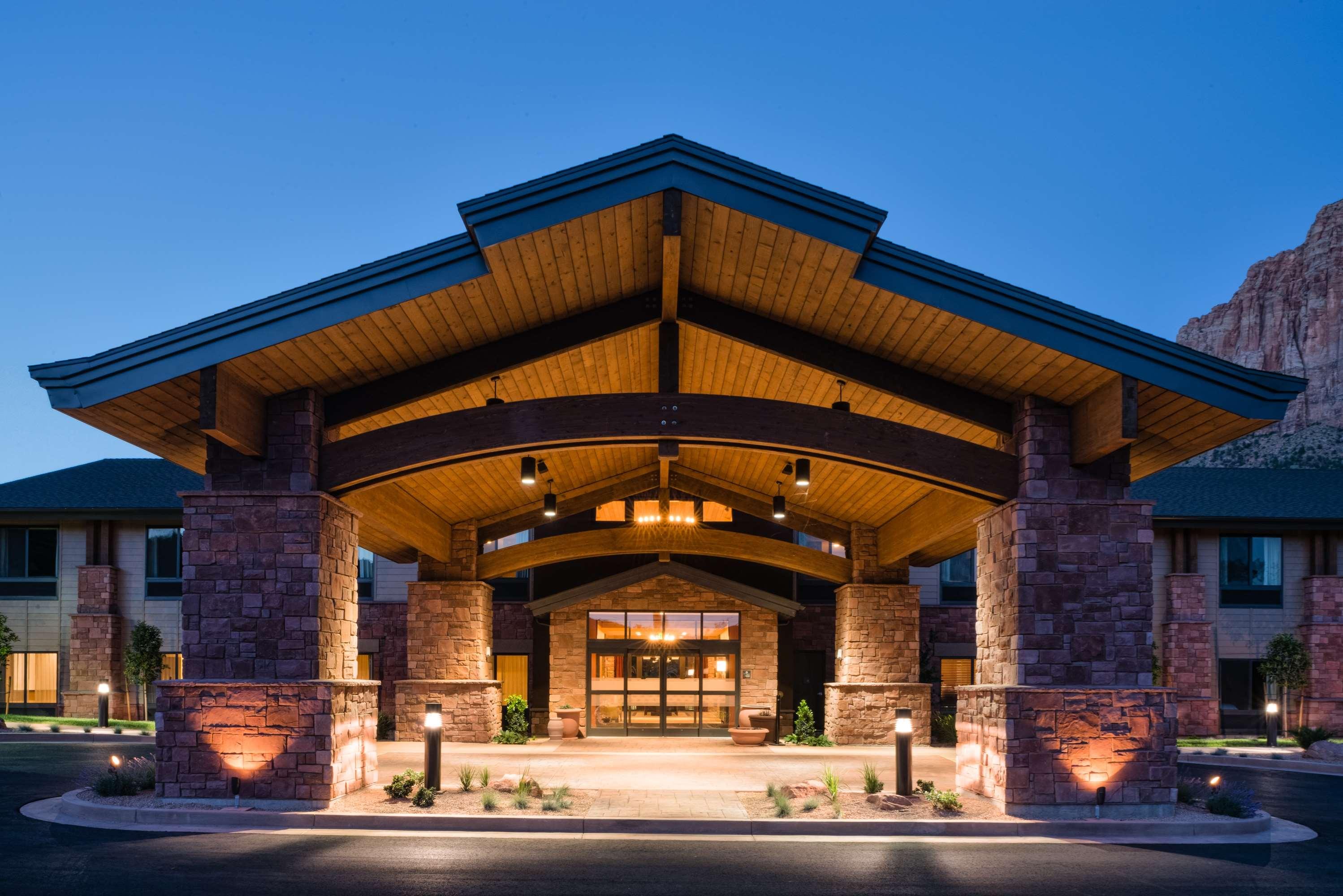 Hampton Inn & Suites Springdale/Zion National Park image 5