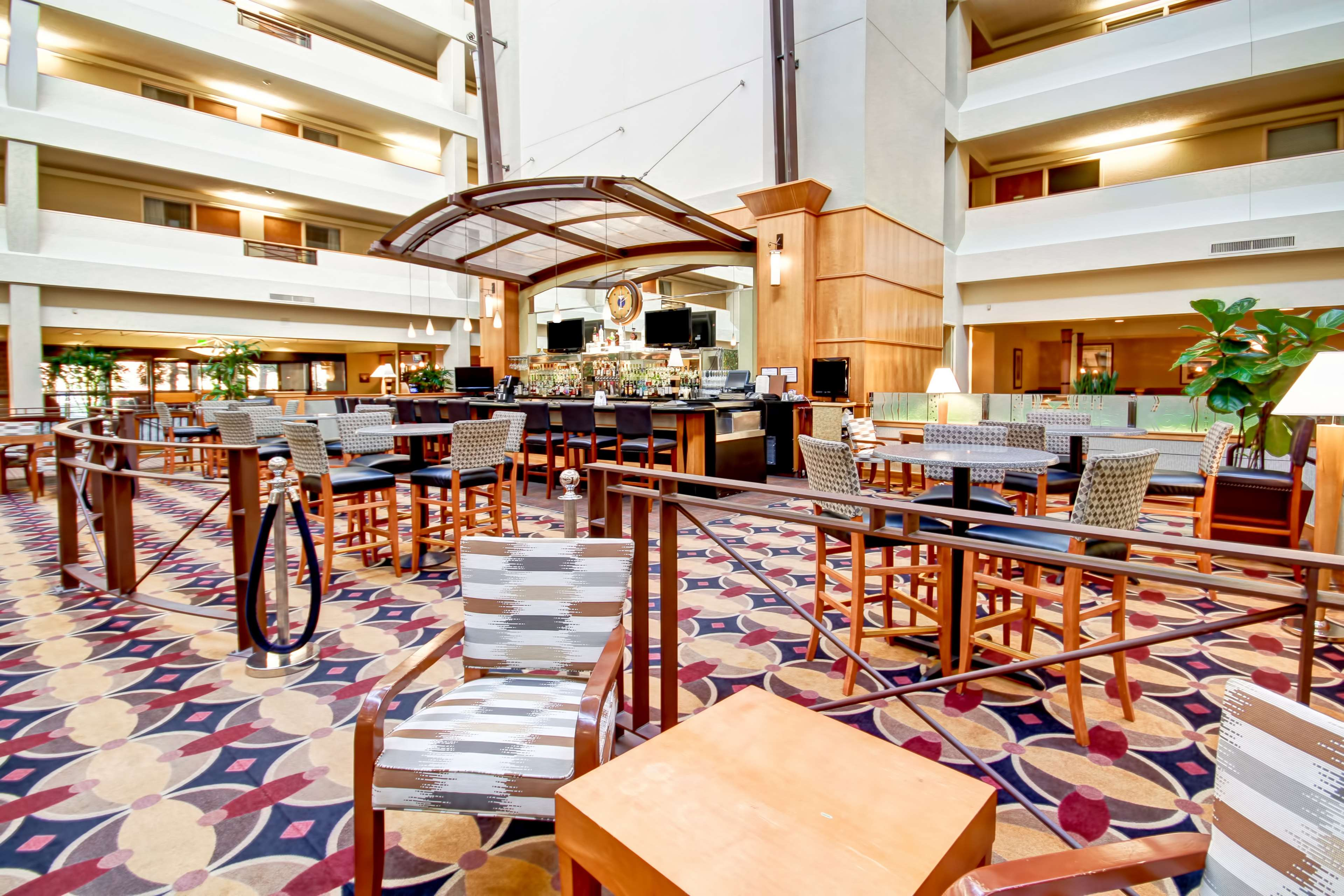DoubleTree Suites by Hilton Hotel Seattle Airport - Southcenter image 9