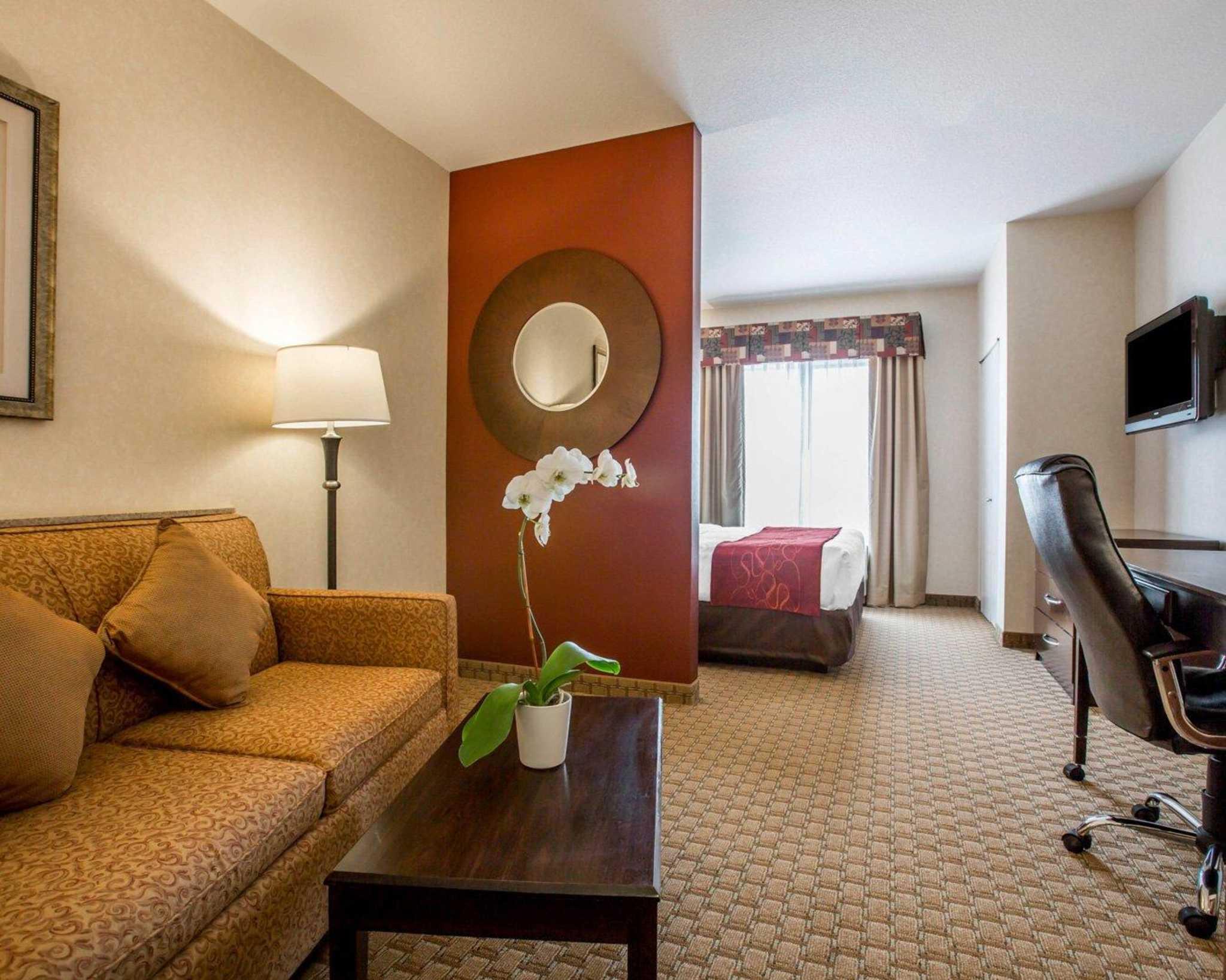 Comfort Suites image 19