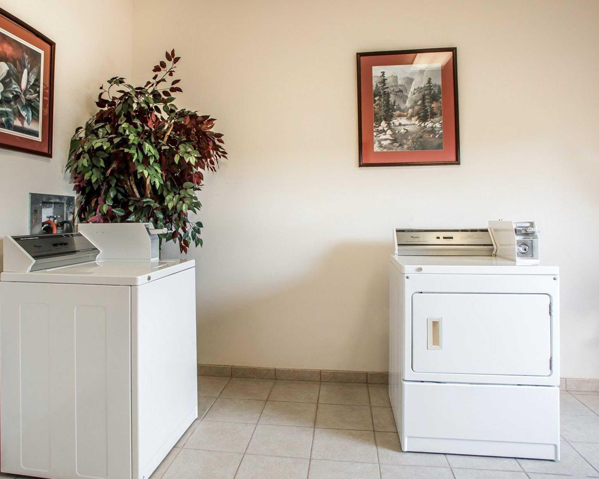 Comfort Suites Jefferson City image 41