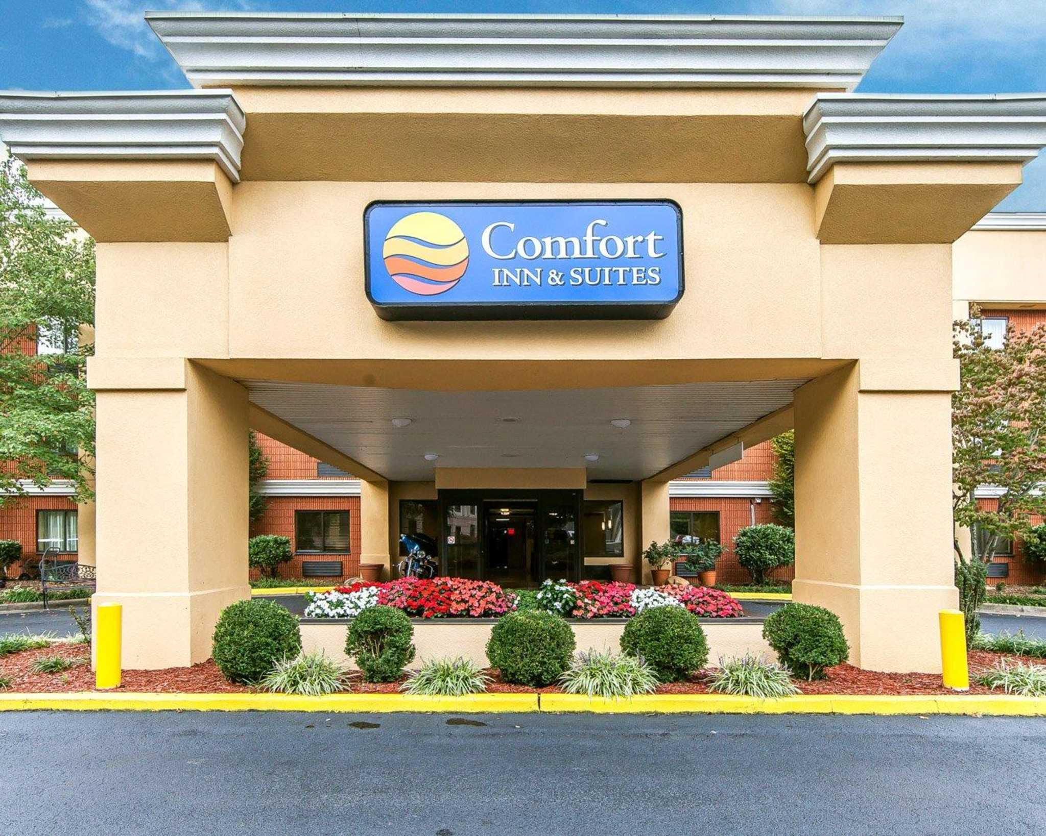 Comfort Inn & Suites image 40