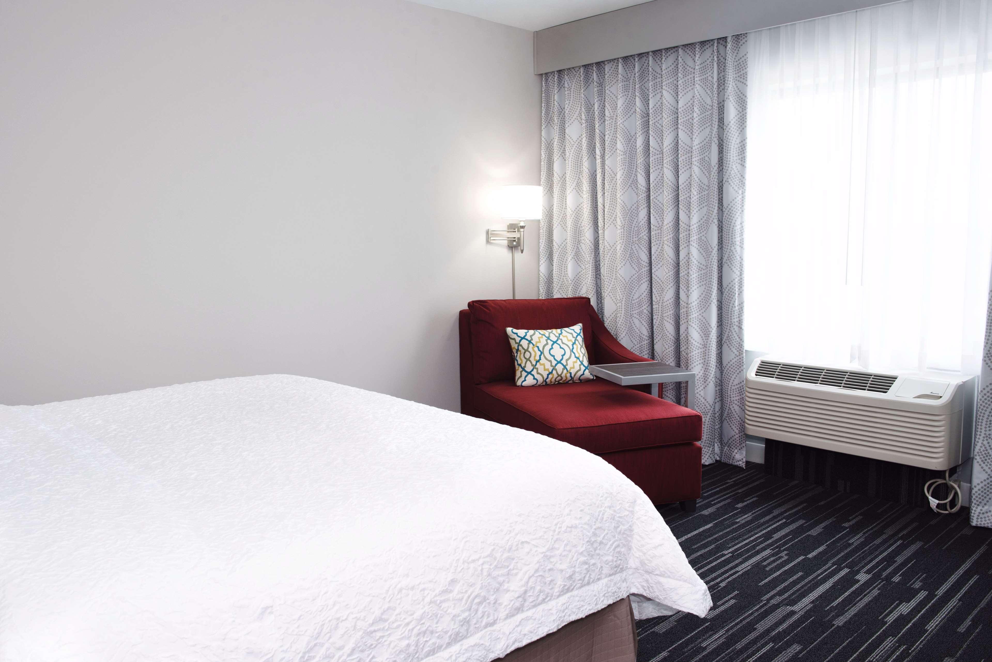 Hampton Inn & Suites Des Moines/Urbandale image 26
