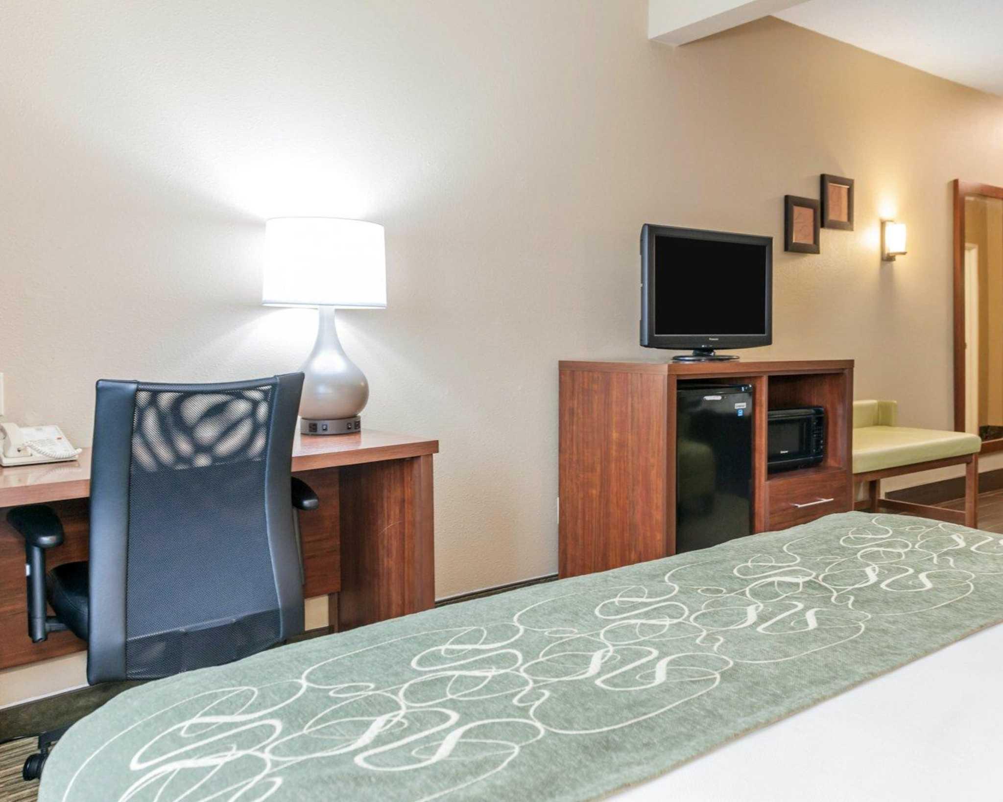 Comfort Suites North in Elkhart, IN, photo #7