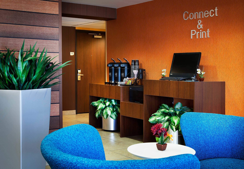 Fairfield Inn & Suites by Marriott Phoenix North image 2