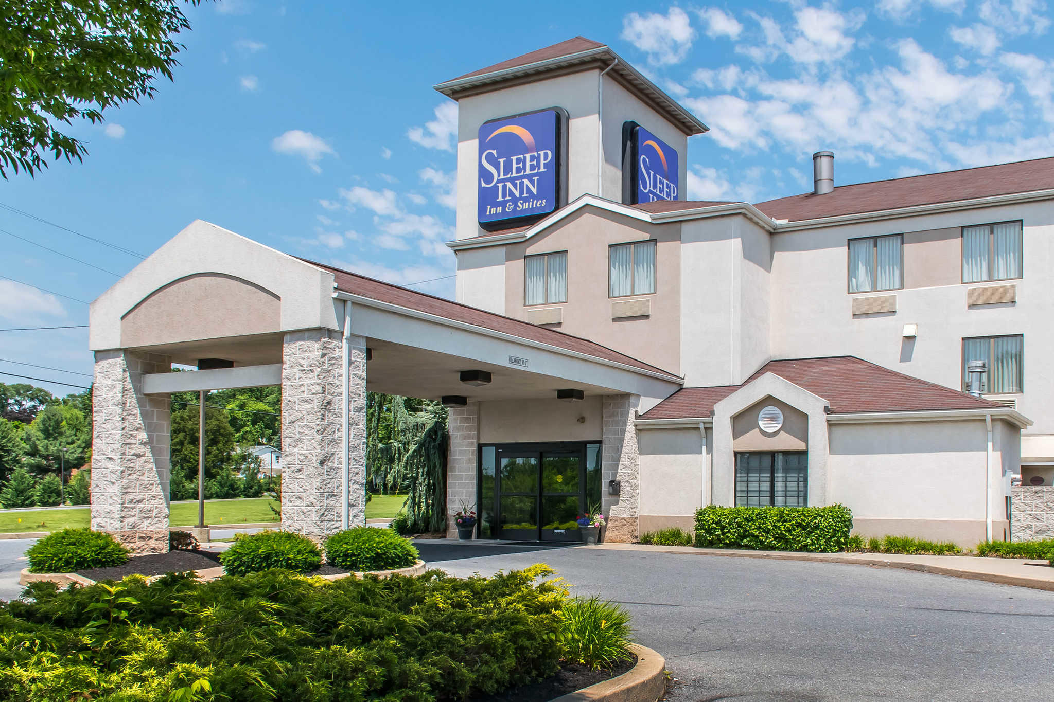 Sleep Inn & Suites of Lancaster County image 1