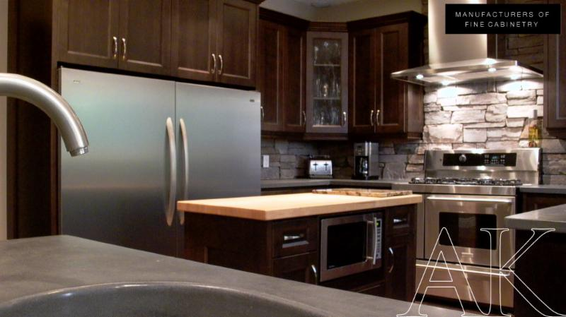 Astro kitchens 30 110 saunders barrie on for Kitchen cabinets barrie
