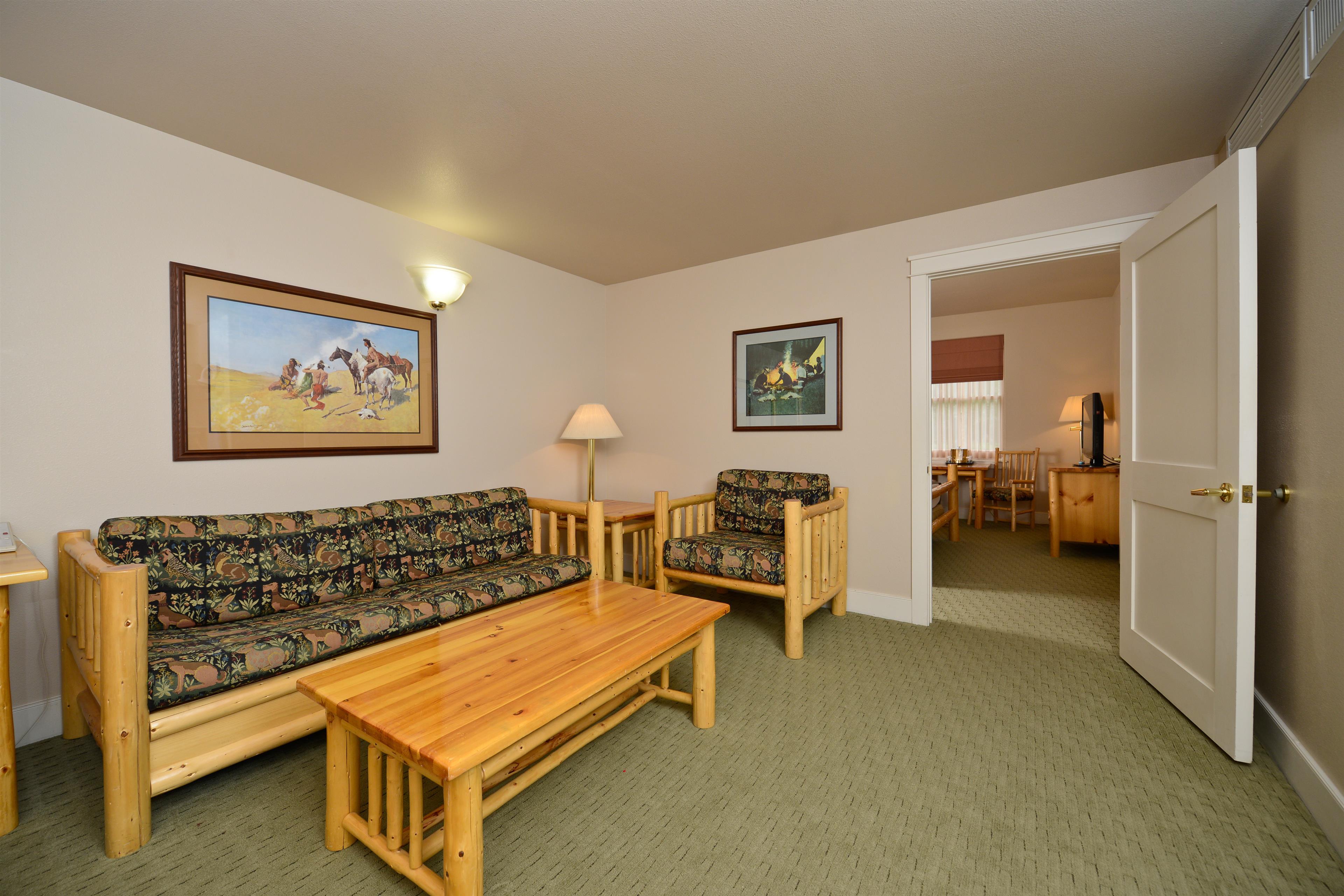 Best Western Plus Plaza Hotel image 37