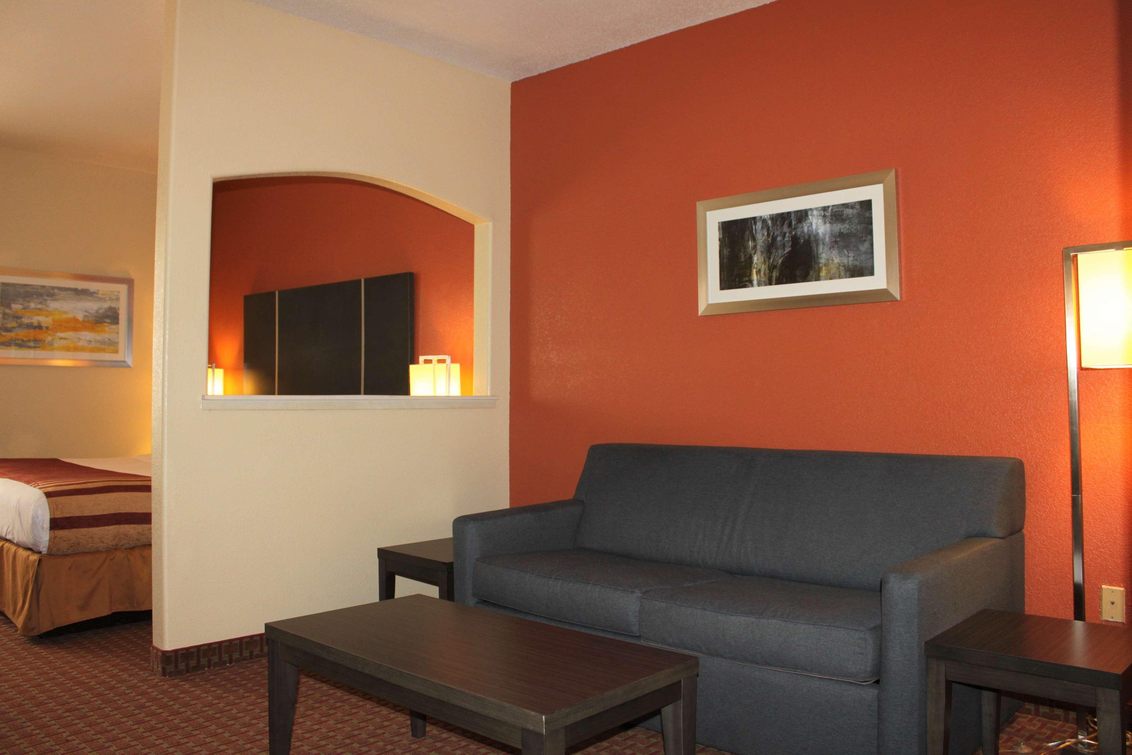 Best Western Plus North Houston Inn & Suites image 18