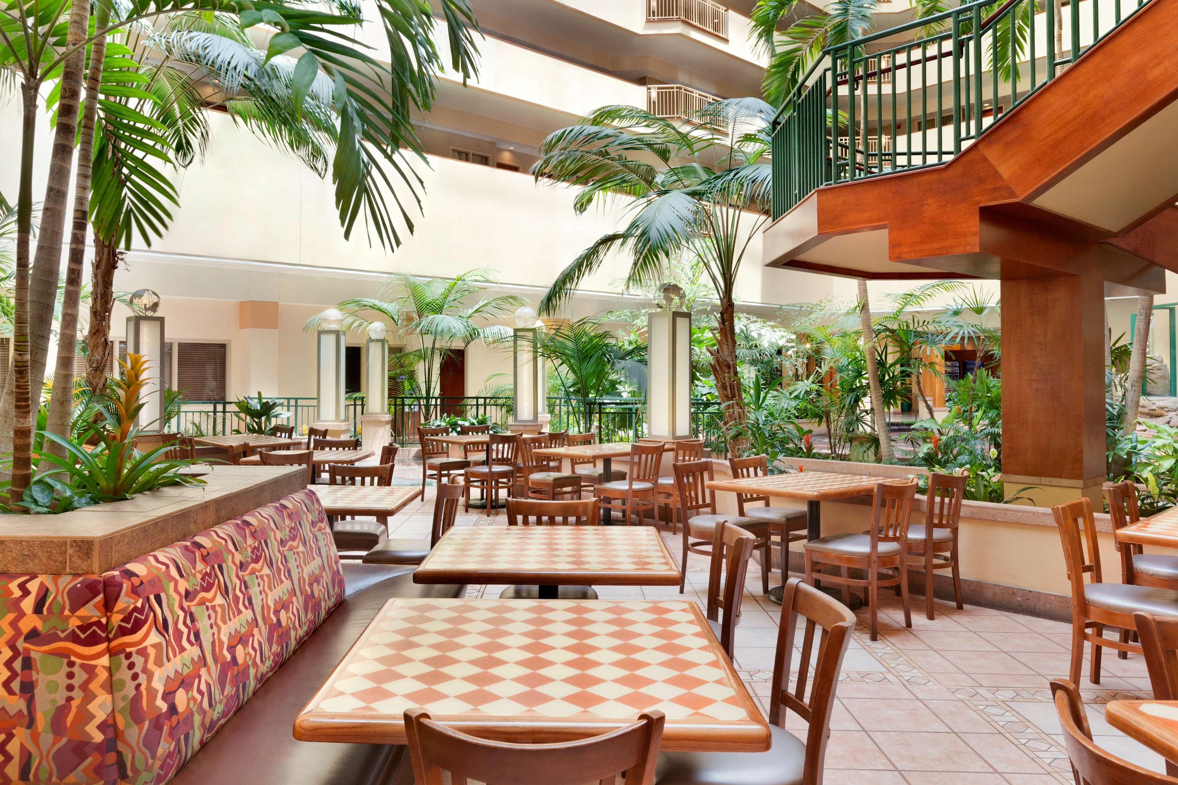 Embassy Suites by Hilton Tampa USF Near Busch Gardens image 18