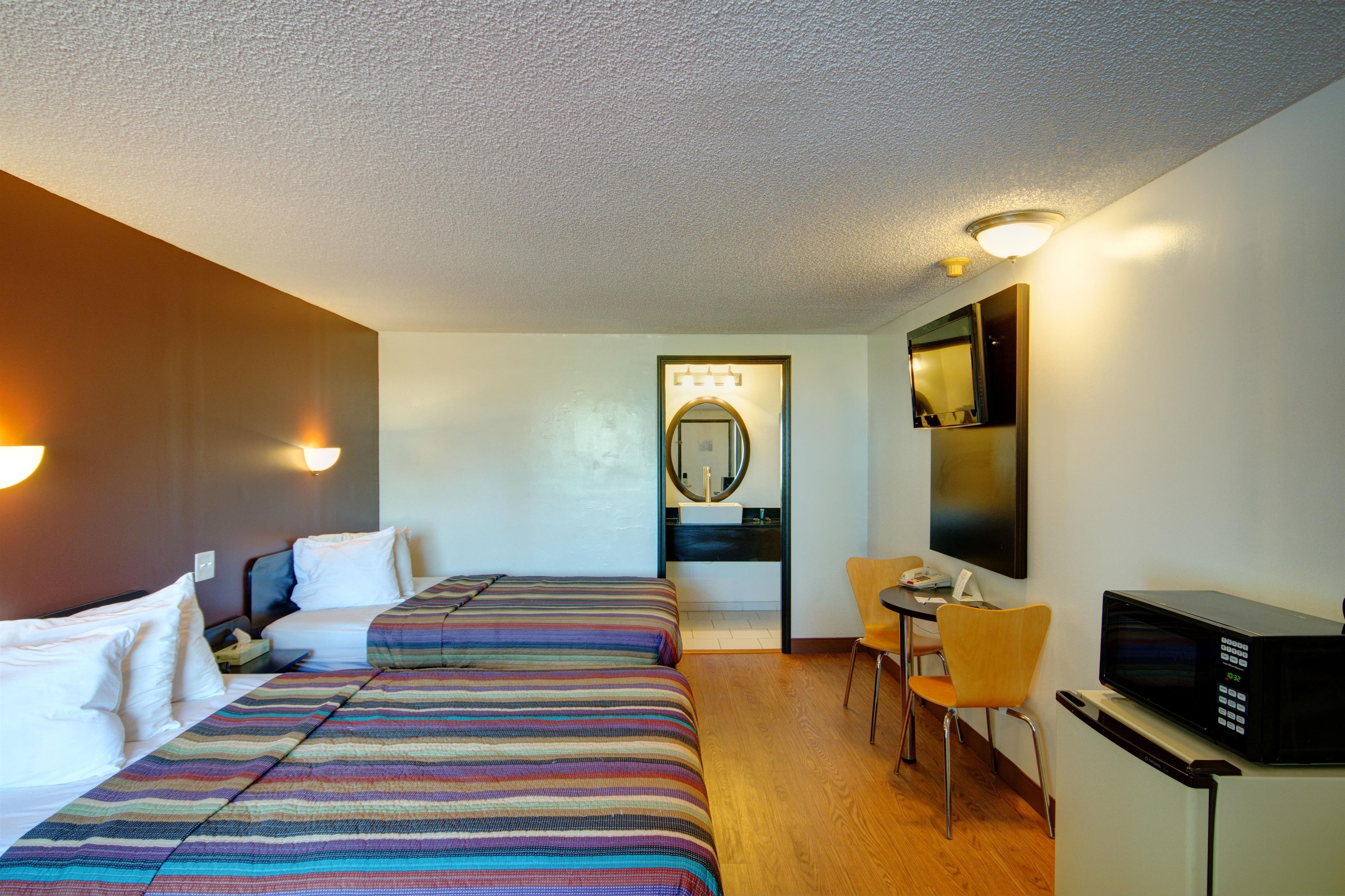 Americas Best Value Inn - Heath/Newark image 14