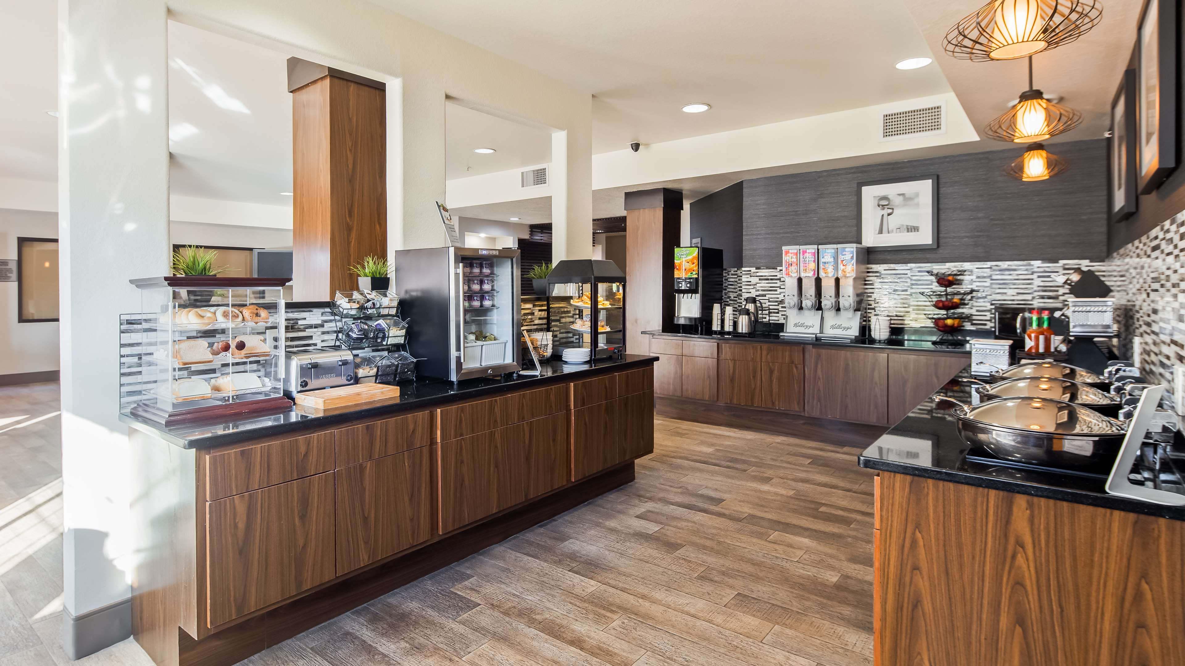Best Western Plus Hill Country Suites image 17