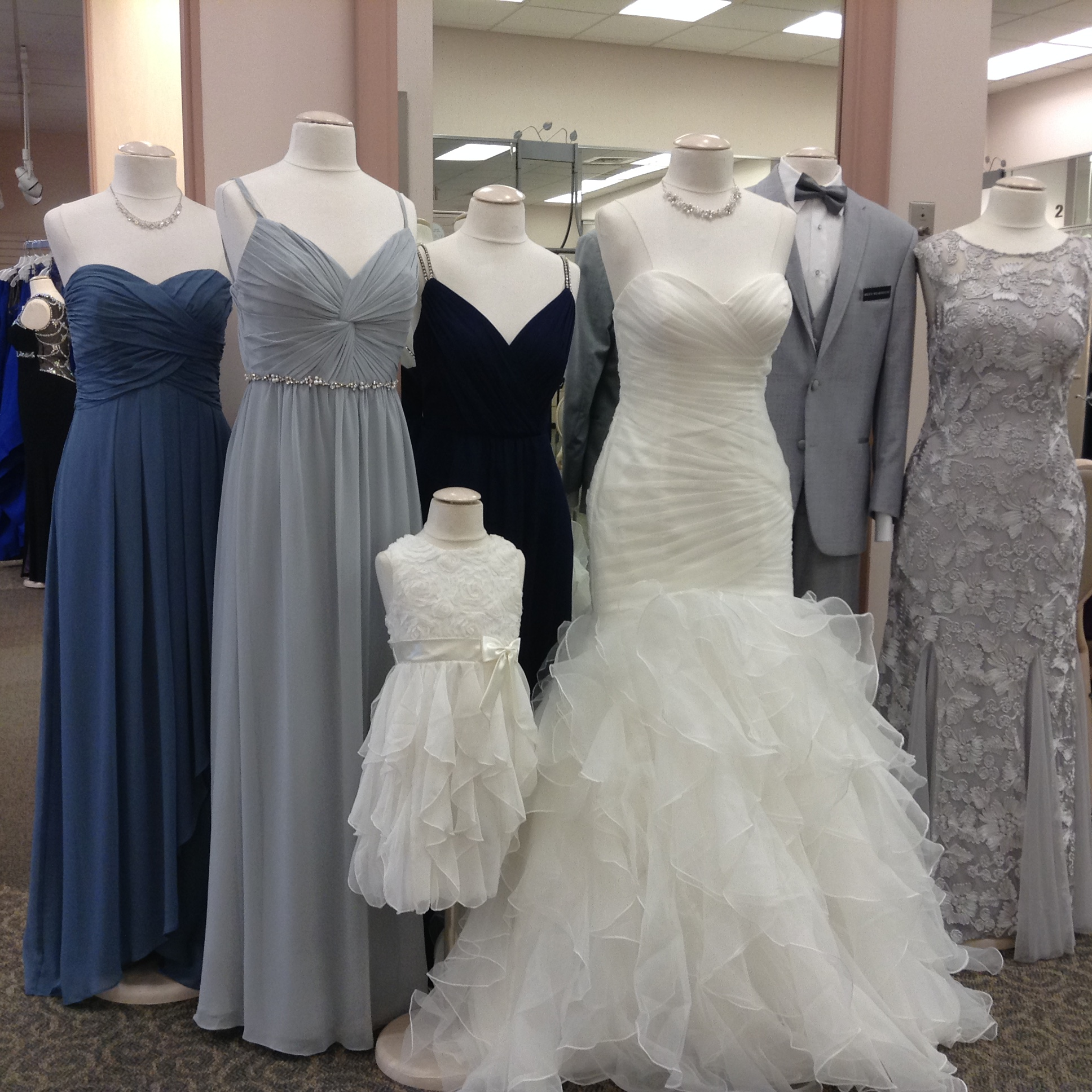 David's Bridal is the ultimate one-stop shop for wedding dresses more Welcome to David's Bridal Columbus, Ohio store, serving brides and special occasion customers of New Albany, Westerville, Worthington and more/5(45).