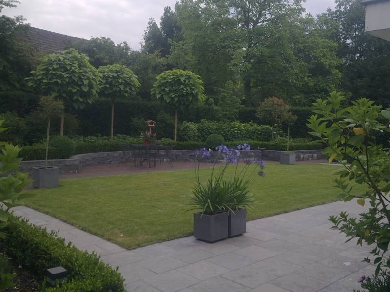 Loe Mulders & Zn - Hovenier Tuin- en Sierbestratingsbedrijf