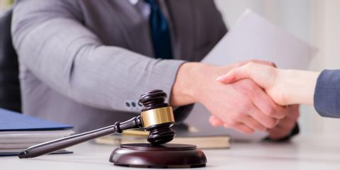 3 Types of Documents to Bring to Your First Meeting With a Divorce Attorney