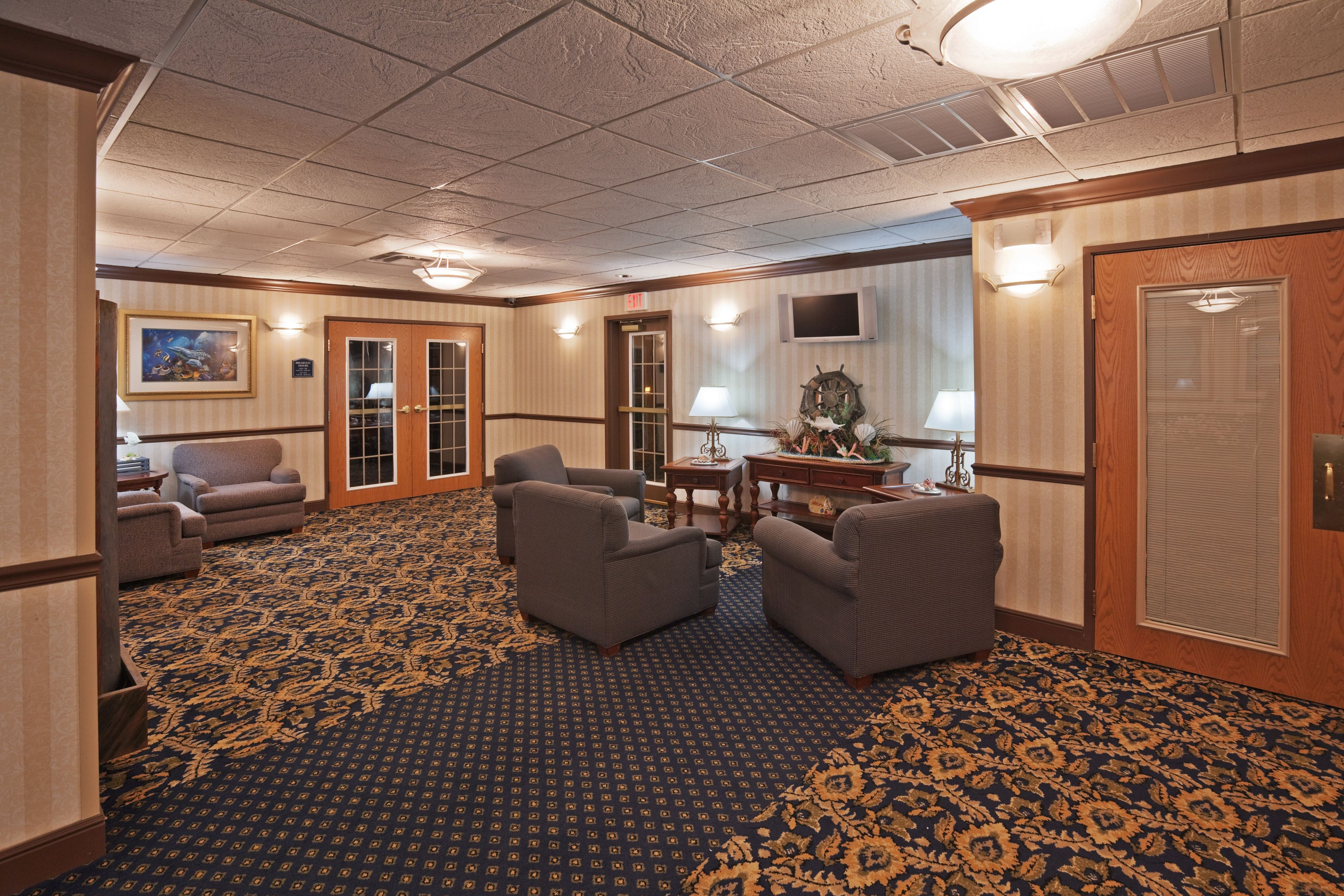 Holiday Inn Express & Suites Jenks image 5