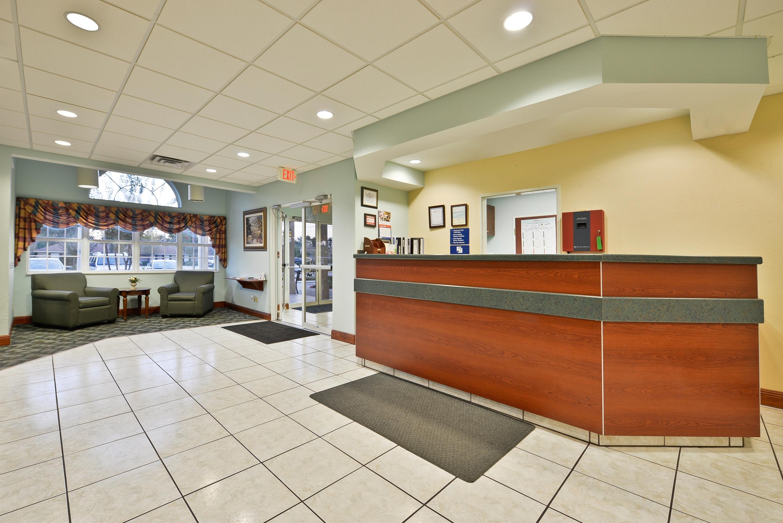 Americas Best Value Inn & Suites - Lake Charles / I - 210 Exit 5 image 1