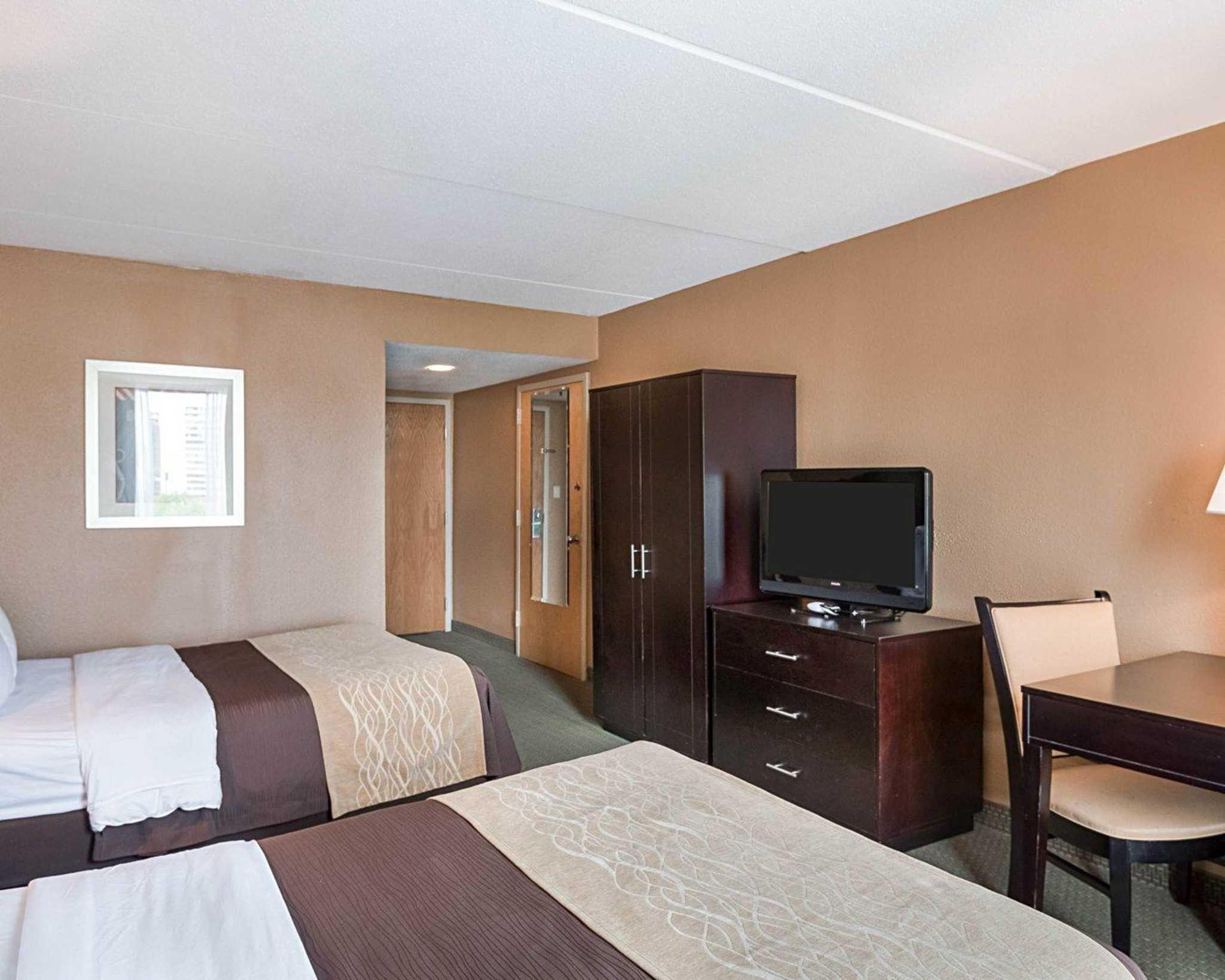 Comfort Inn Gold Coast image 13