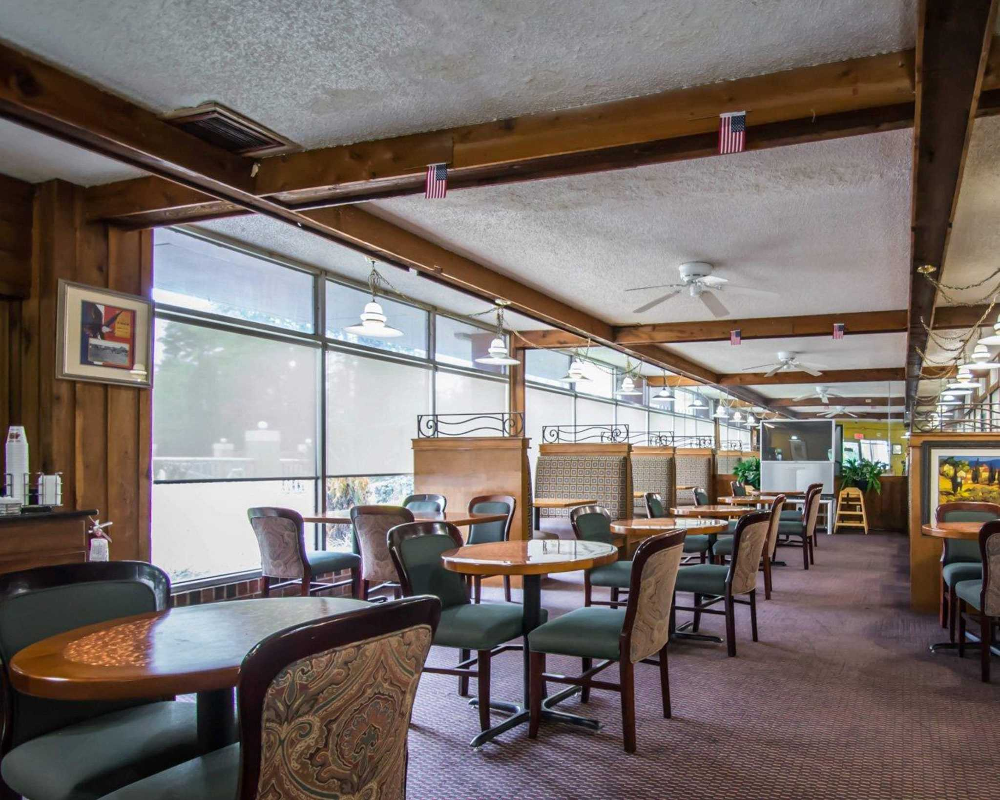 Quality Inn I-75 at Exit 399 image 27