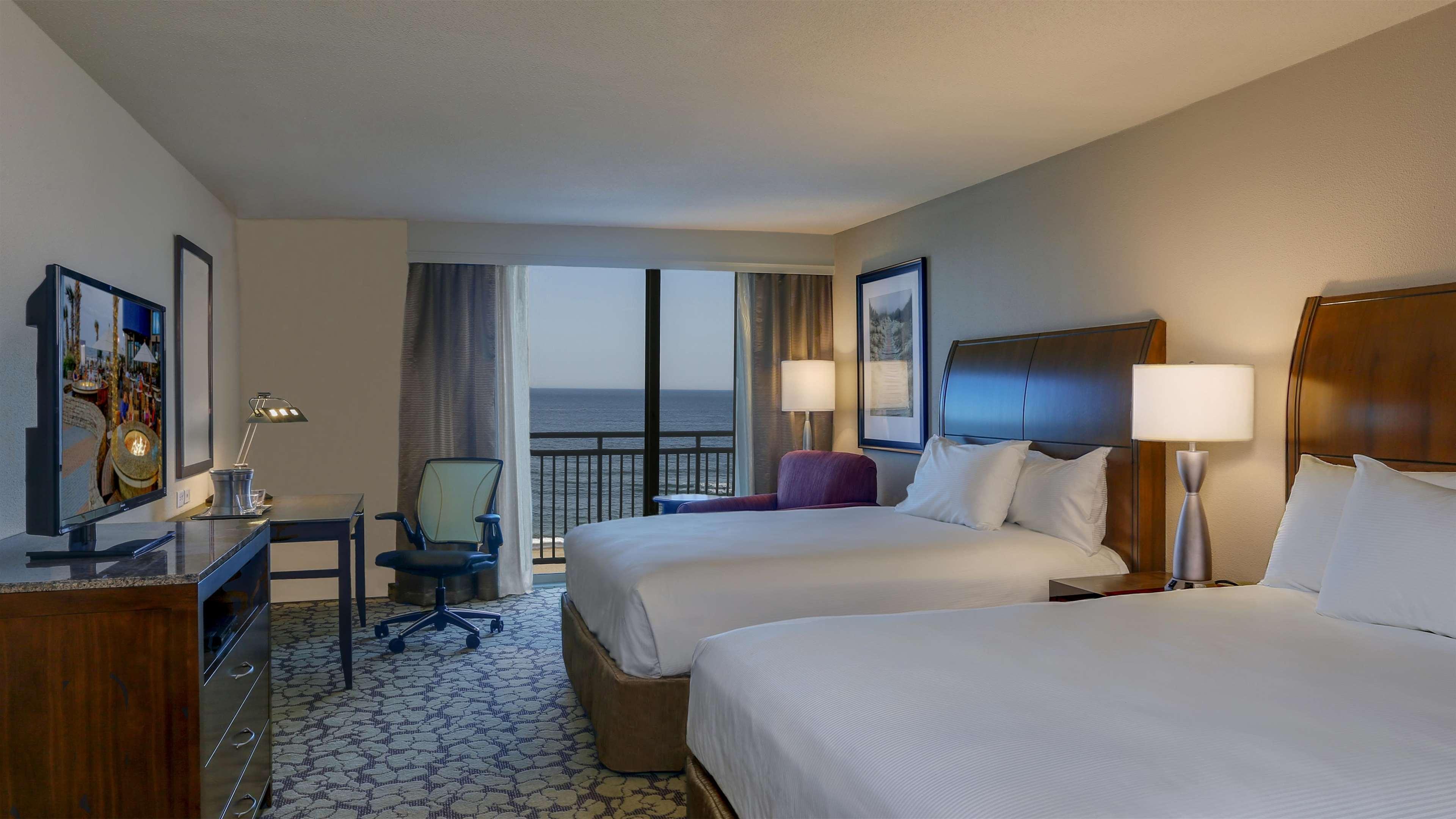 Hilton Garden Inn Virginia Beach Oceanfront image 27