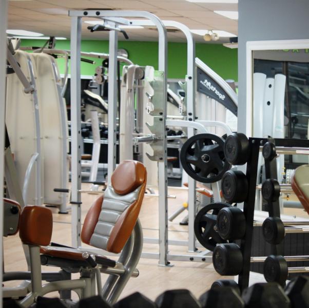 salle de gym masson angers qc ourbis. Black Bedroom Furniture Sets. Home Design Ideas