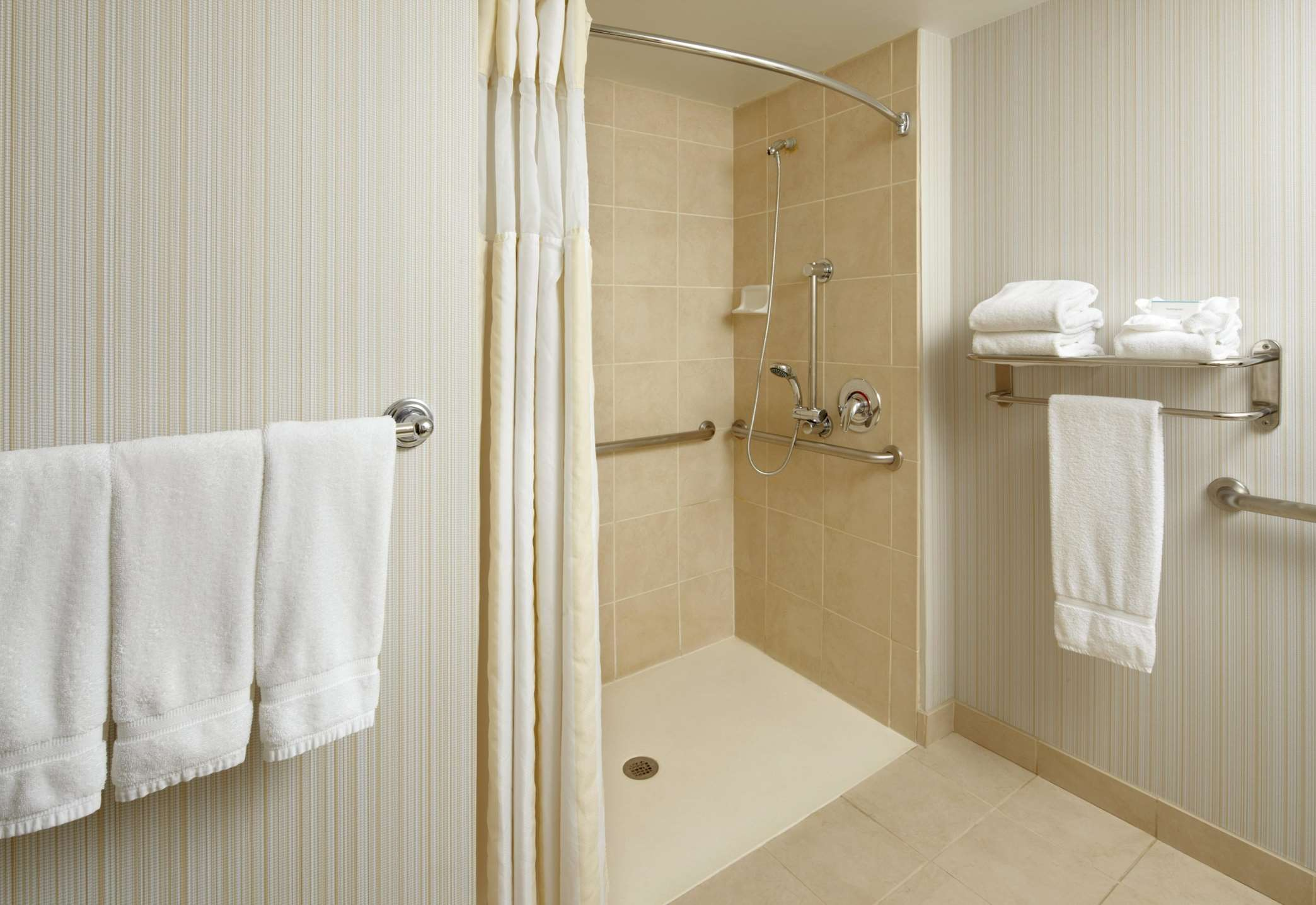 Hilton Garden Inn Dallas/Arlington image 36