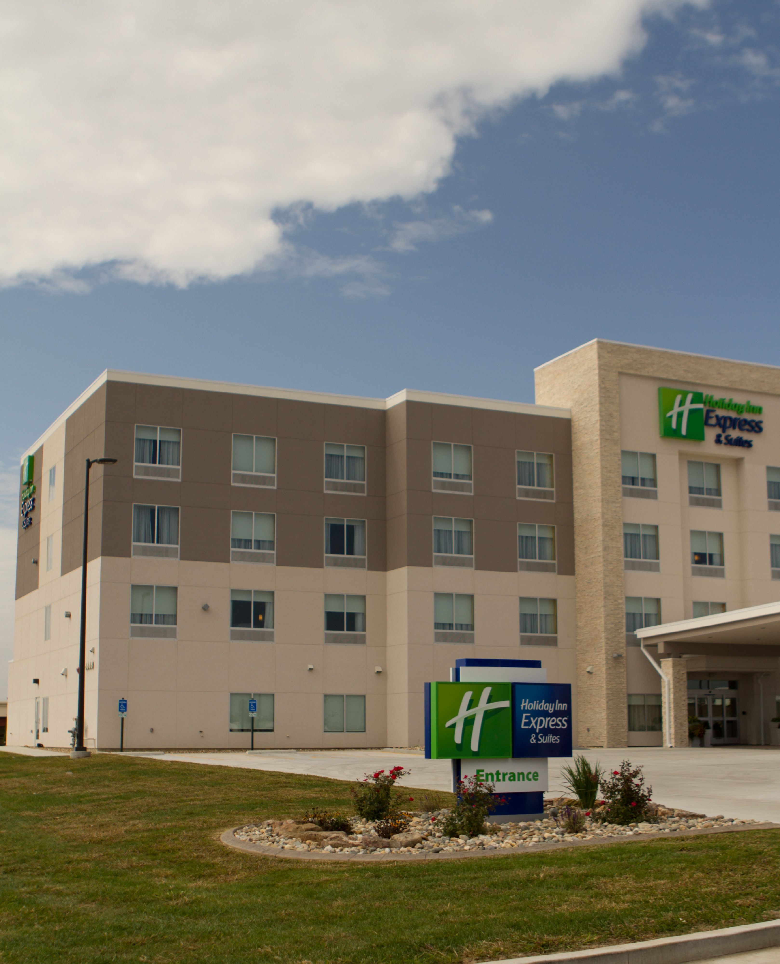 Holiday Inn Express Dallas: Holiday Inn Express & Suites Lincoln South In Lincoln, NE