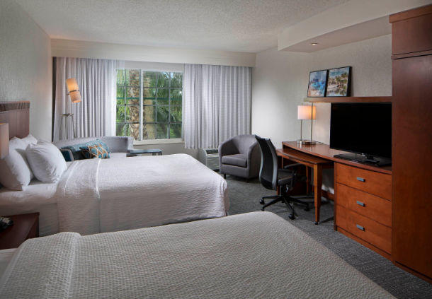 Courtyard by Marriott Fort Lauderdale Airport & Cruise Port image 5