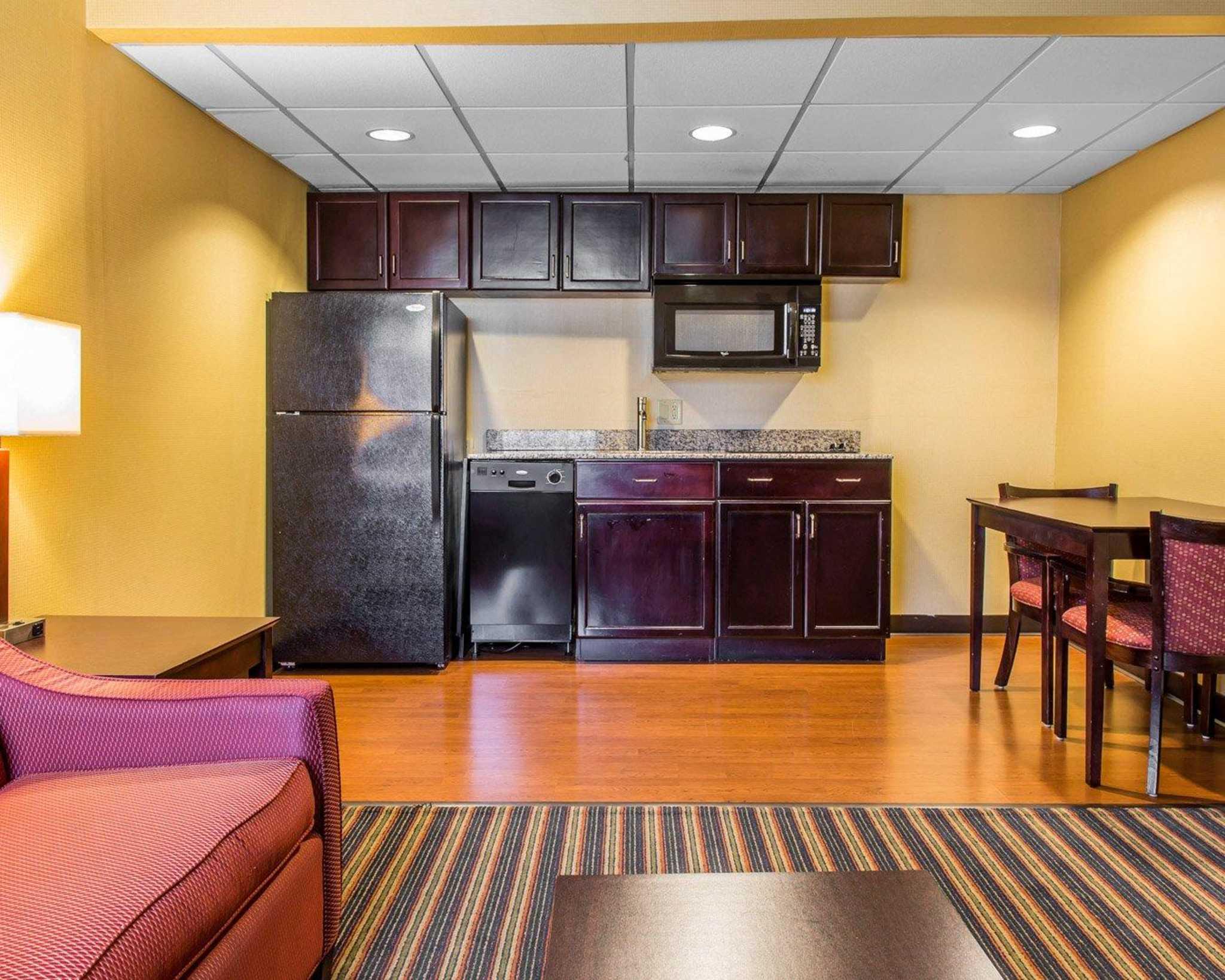 Comfort Inn & Suites East Hartford - Hartford image 18