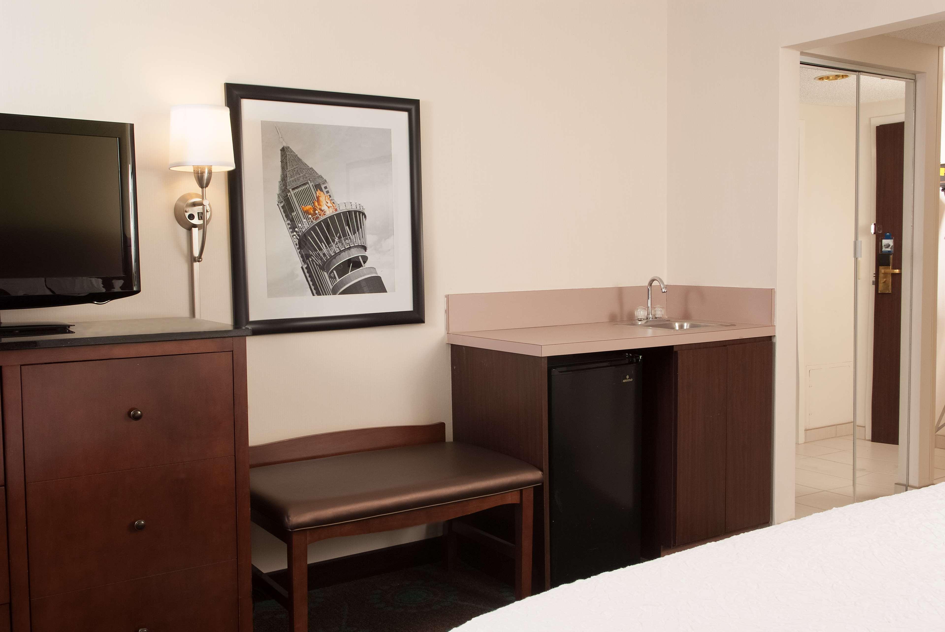 Hampton Inn Atlanta-North Druid Hills image 16