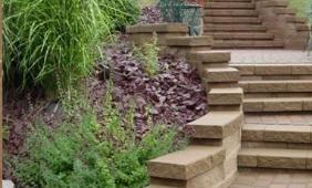 Mochnaly Landscape & Design LLC image 0