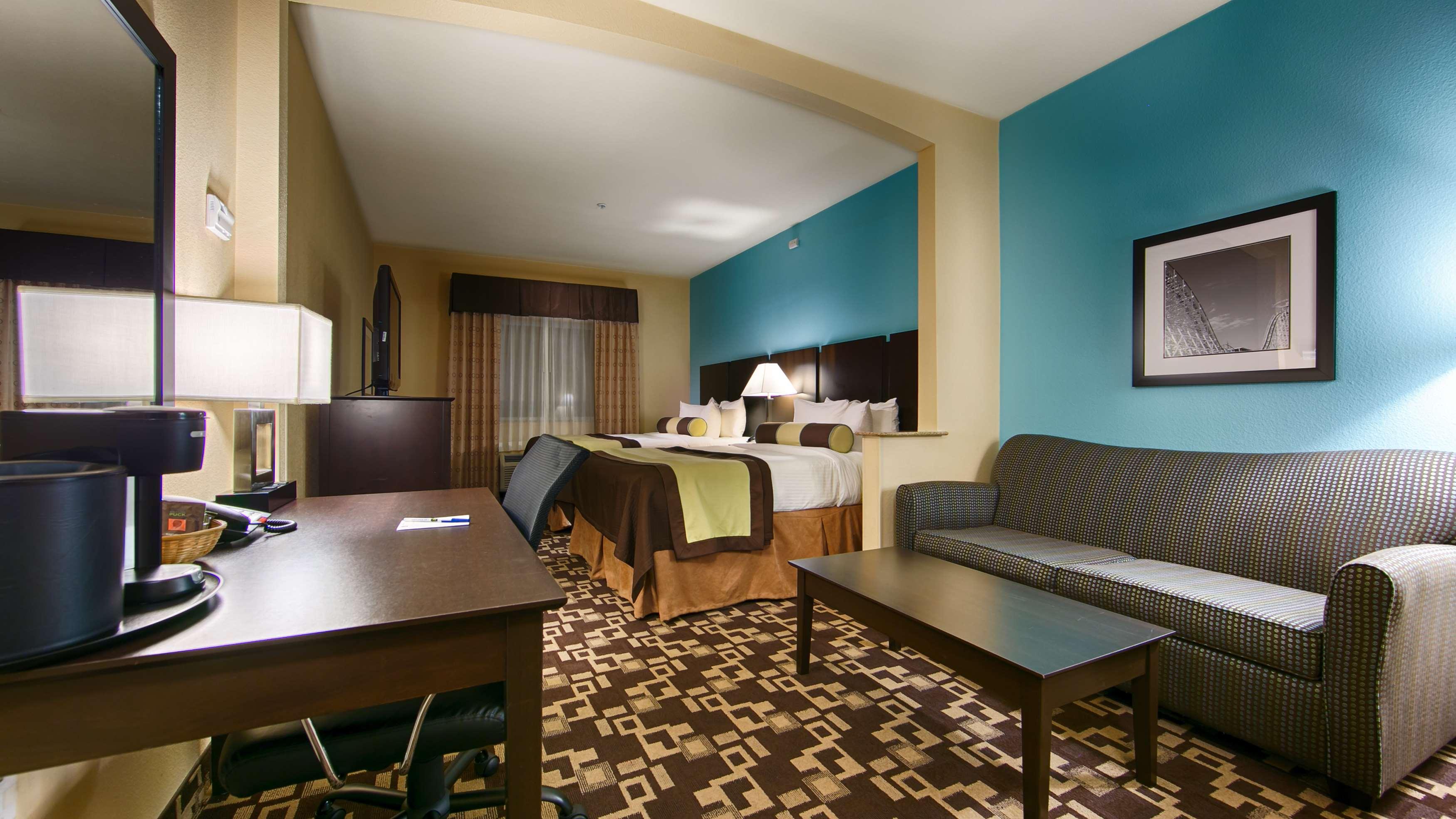 Best Western Plus Arlington North Hotel & Suites image 18