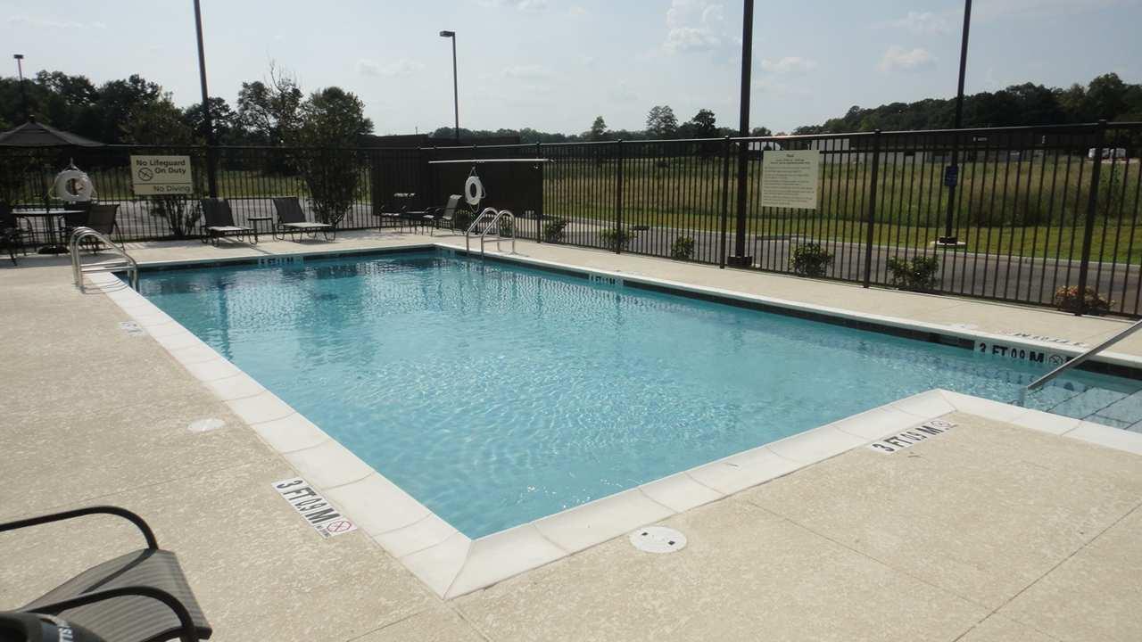 Hampton Inn Ozark image 4