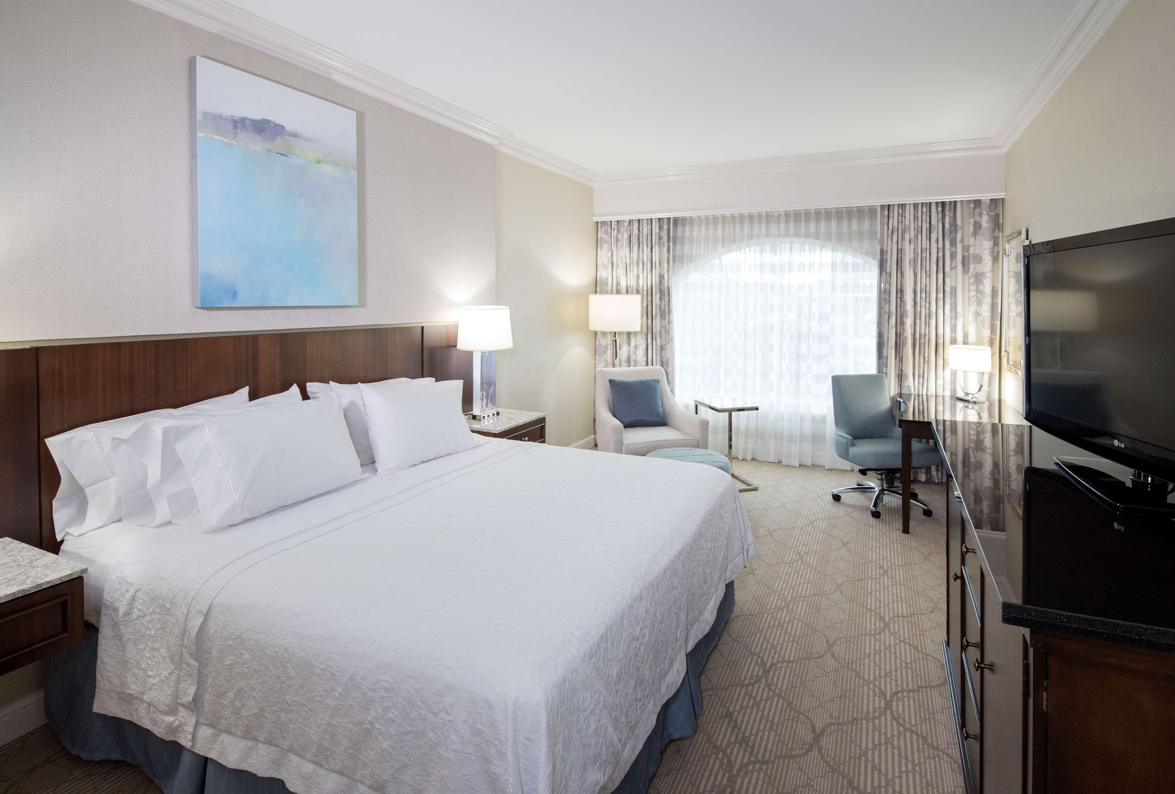 Hampton Inn & Suites Charlotte/South Park at Phillips Place image 48