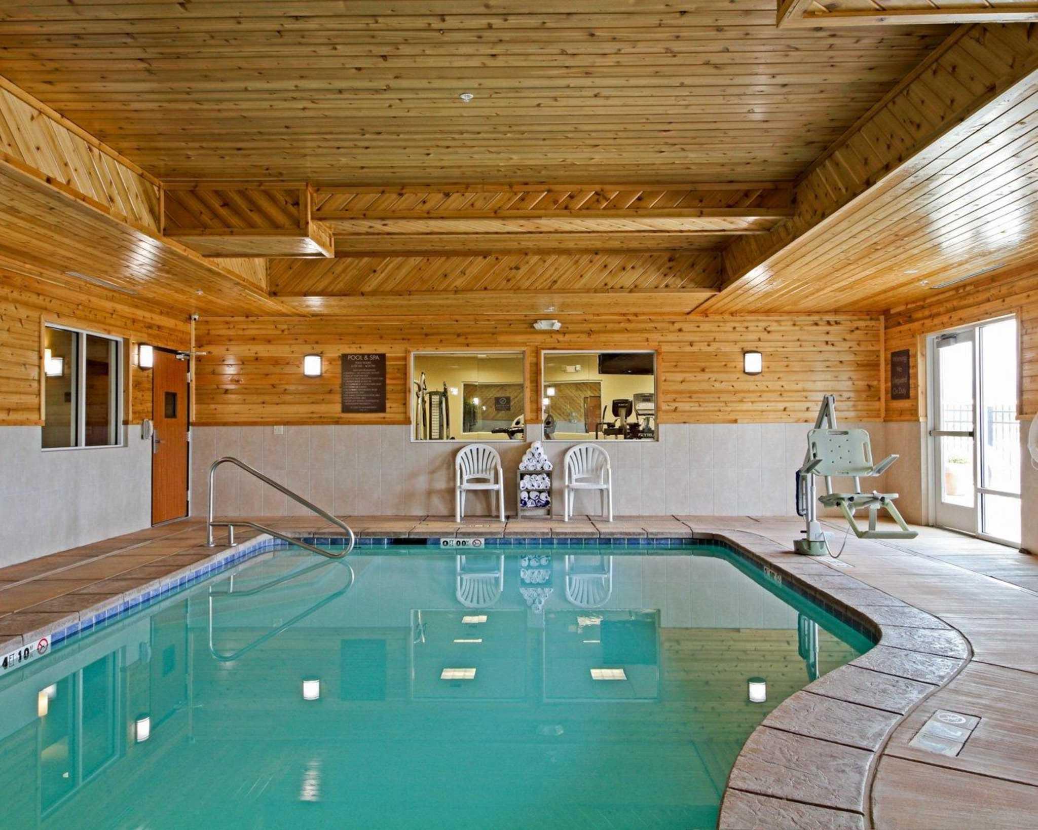 Comfort Suites Redding - Shasta Lake image 3