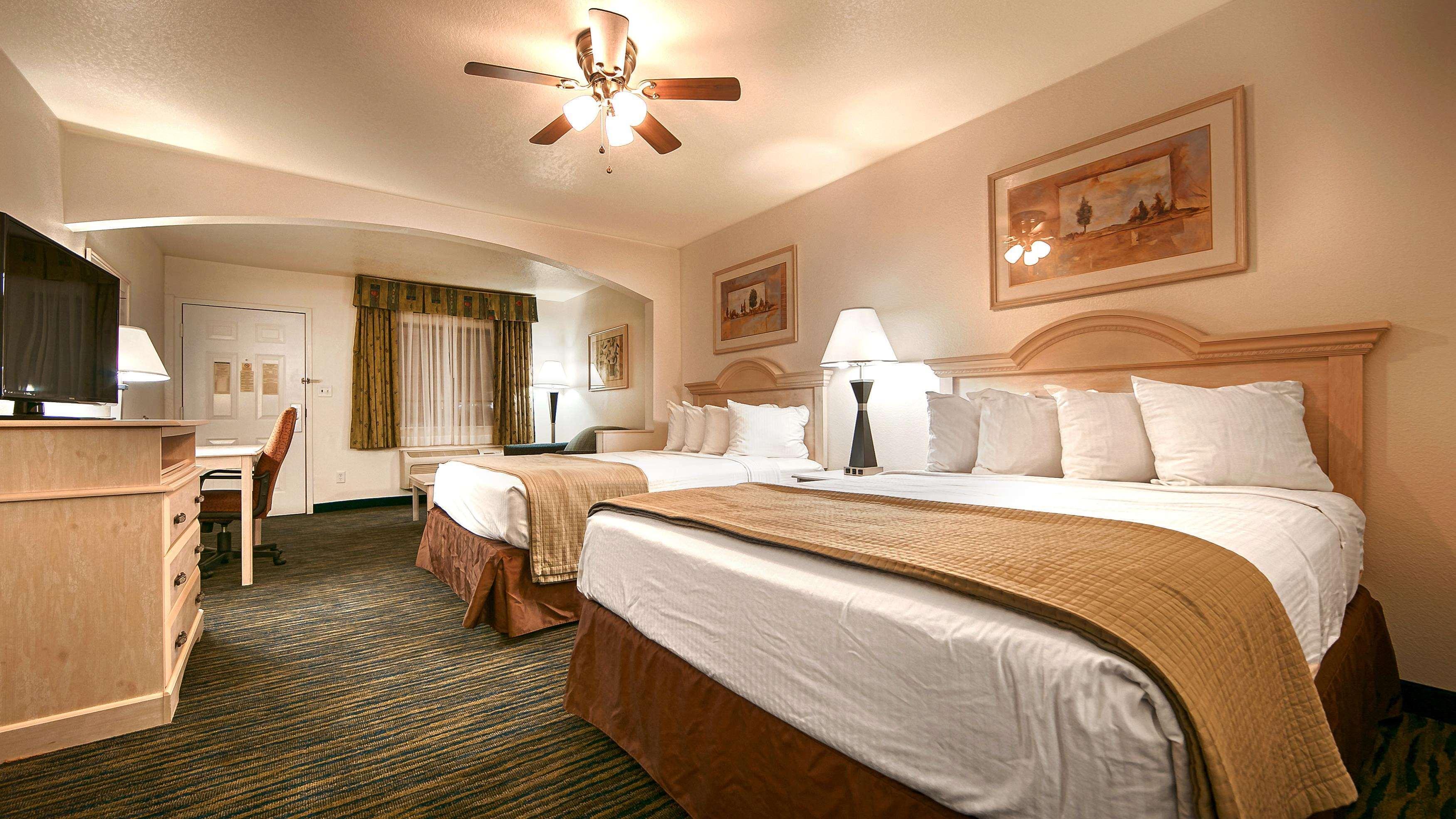 SureStay Hotel by Best Western Falfurrias image 37