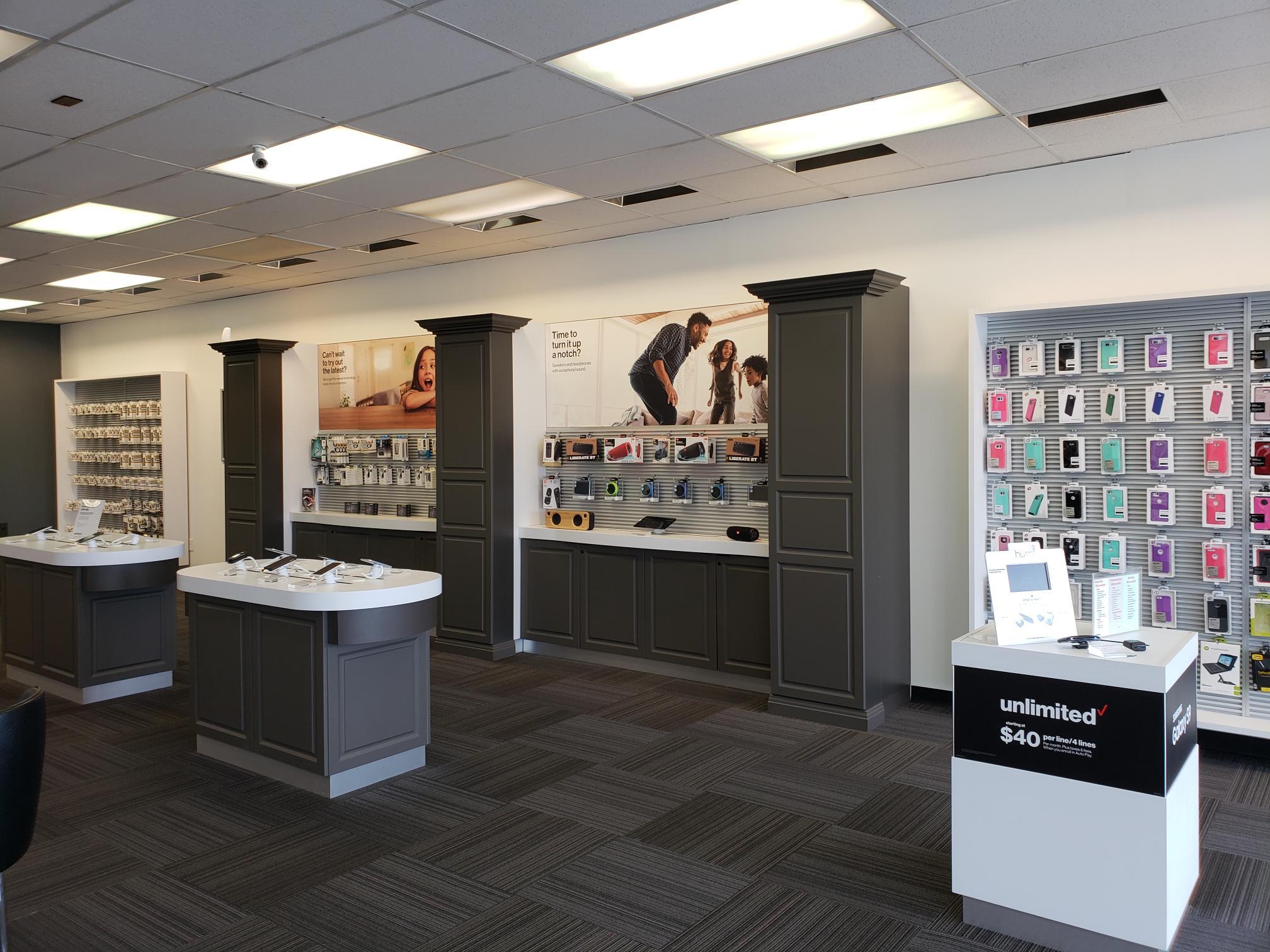 Verizon Authorized Retailer – TCC image 5