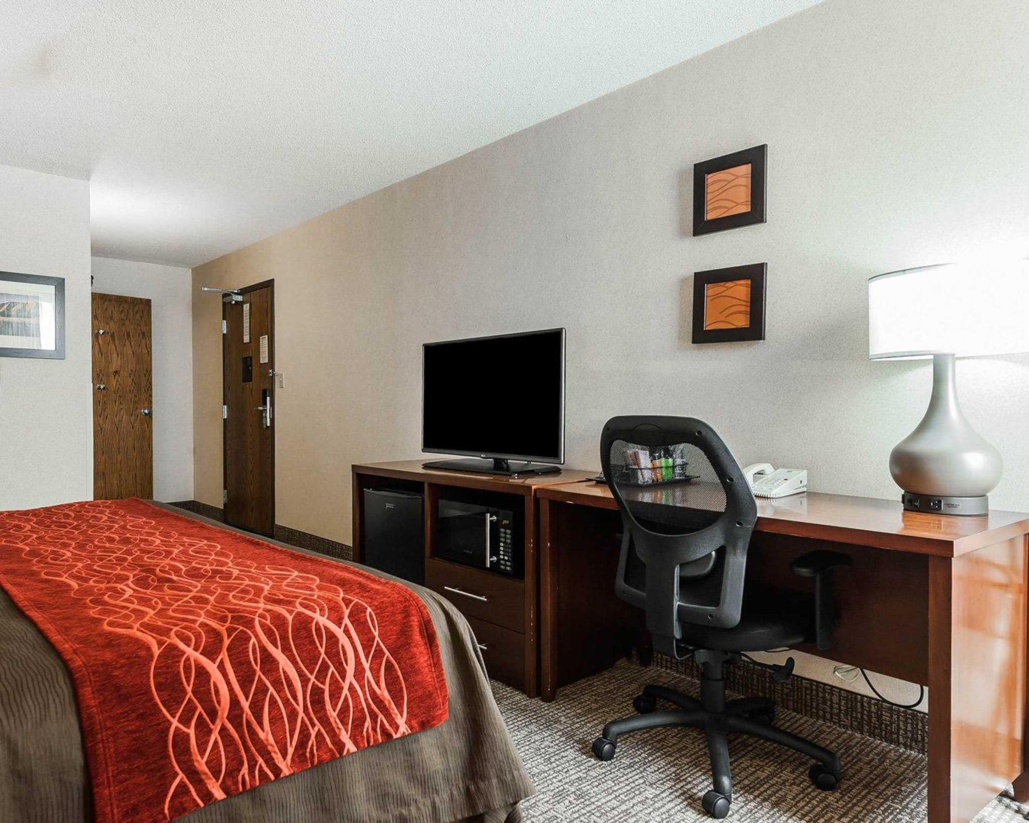 Comfort Inn Denver East image 8