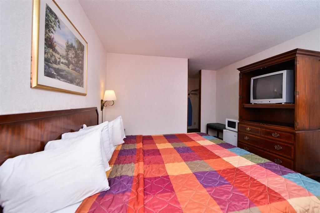 Americas Best Value Inn Albert Lea image 13