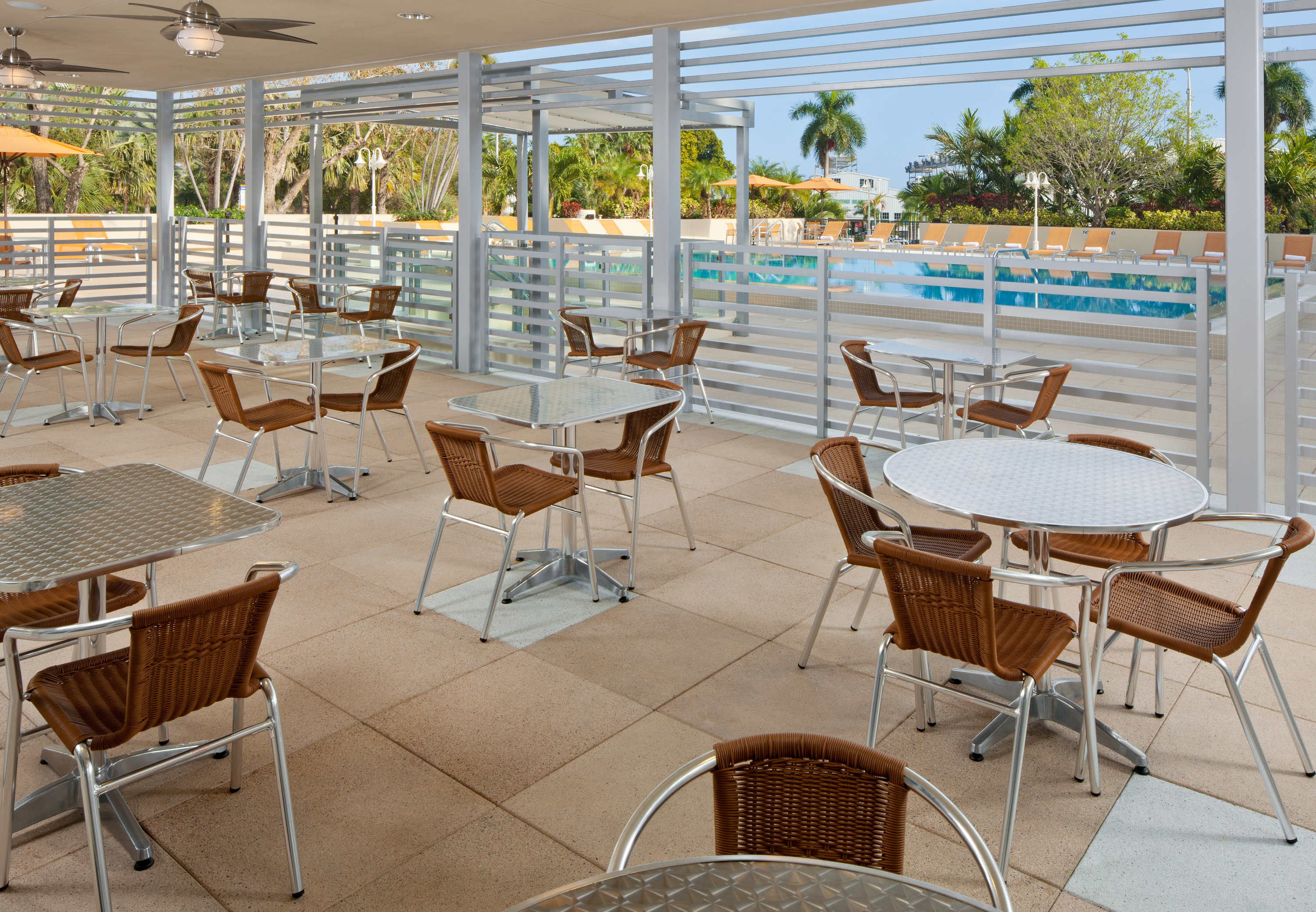 Courtyard by marriott miami coconut grove at 2649 south for 2800 sw 28th terrace coconut grove florida 33133