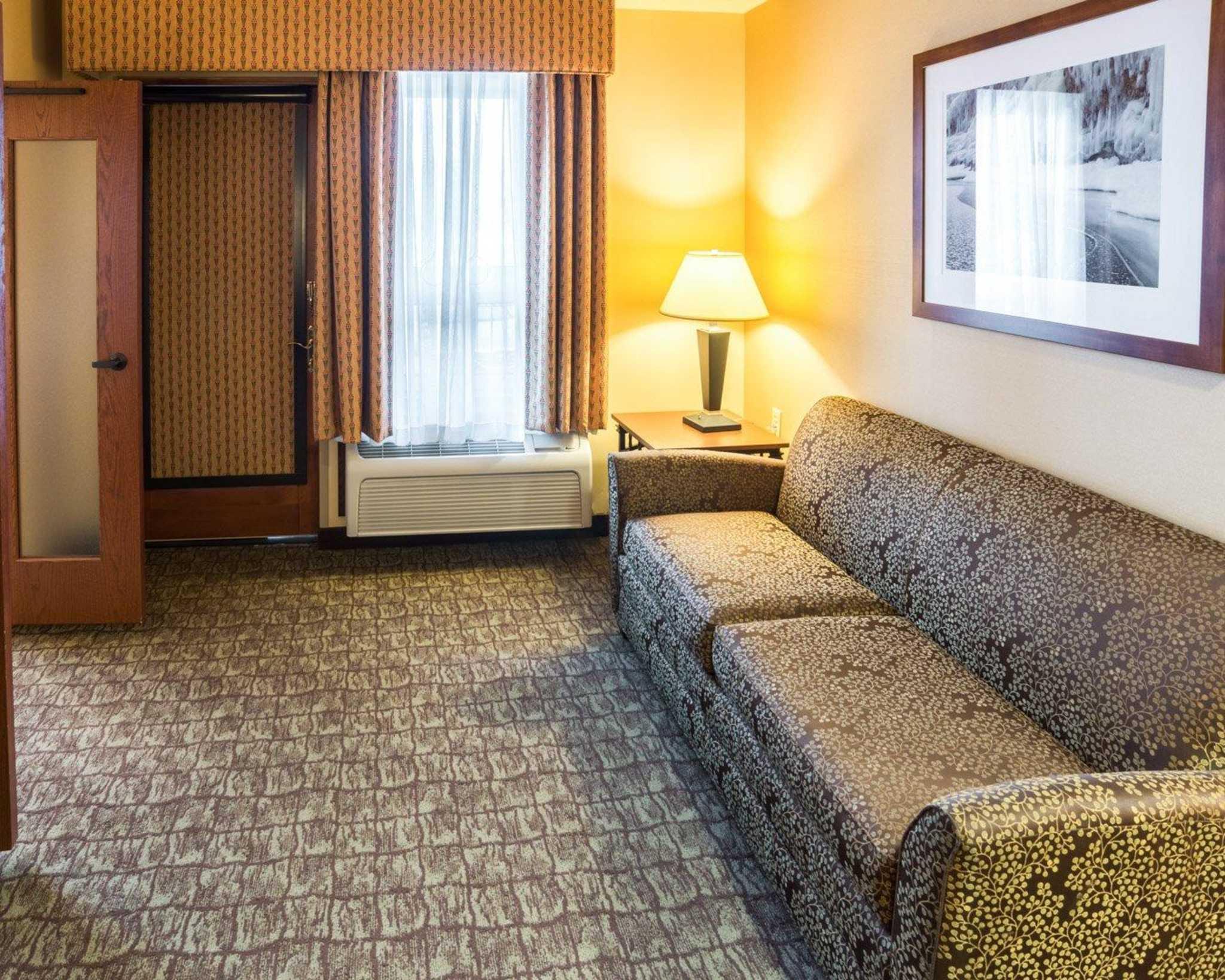 Comfort Suites Canal Park image 43