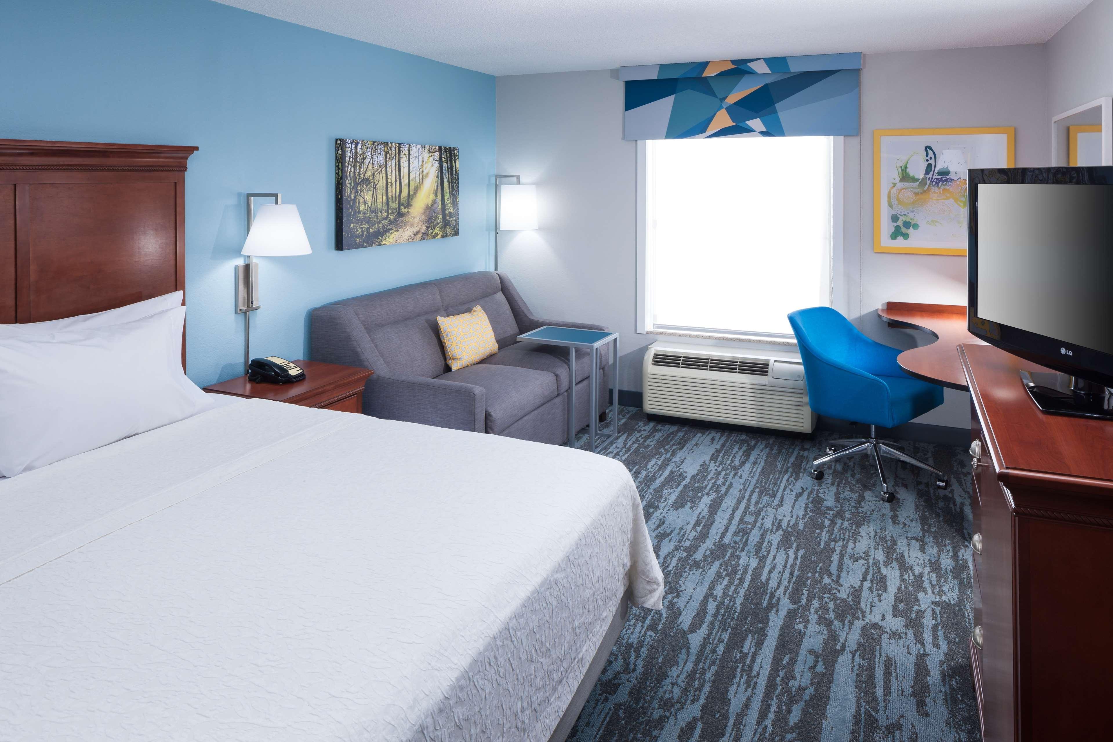 Hampton Inn & Suites Jackson image 14