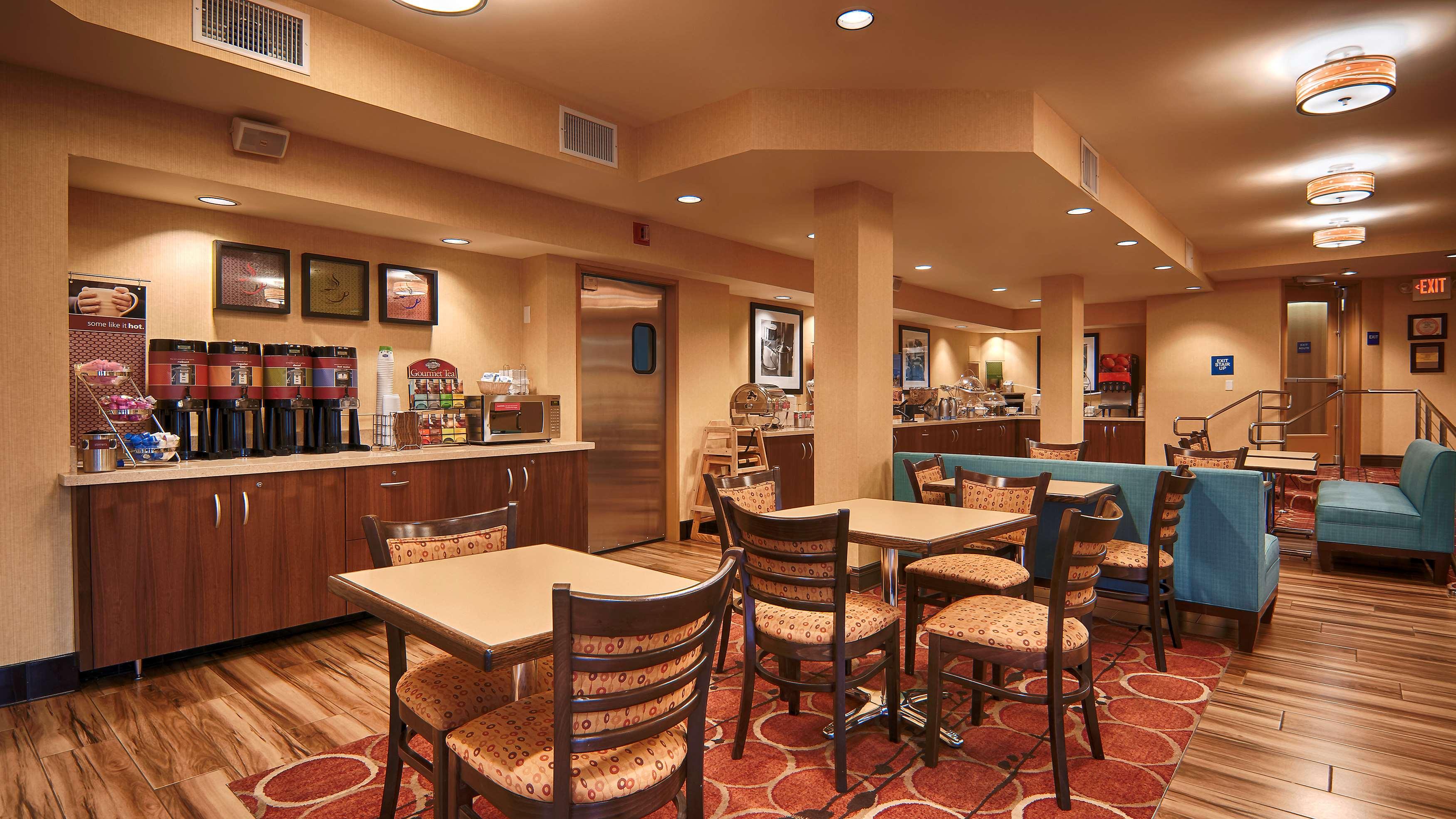 Hampton Inn & Suites Santa Ana/Orange County Airport in Santa Ana, CA, photo #10