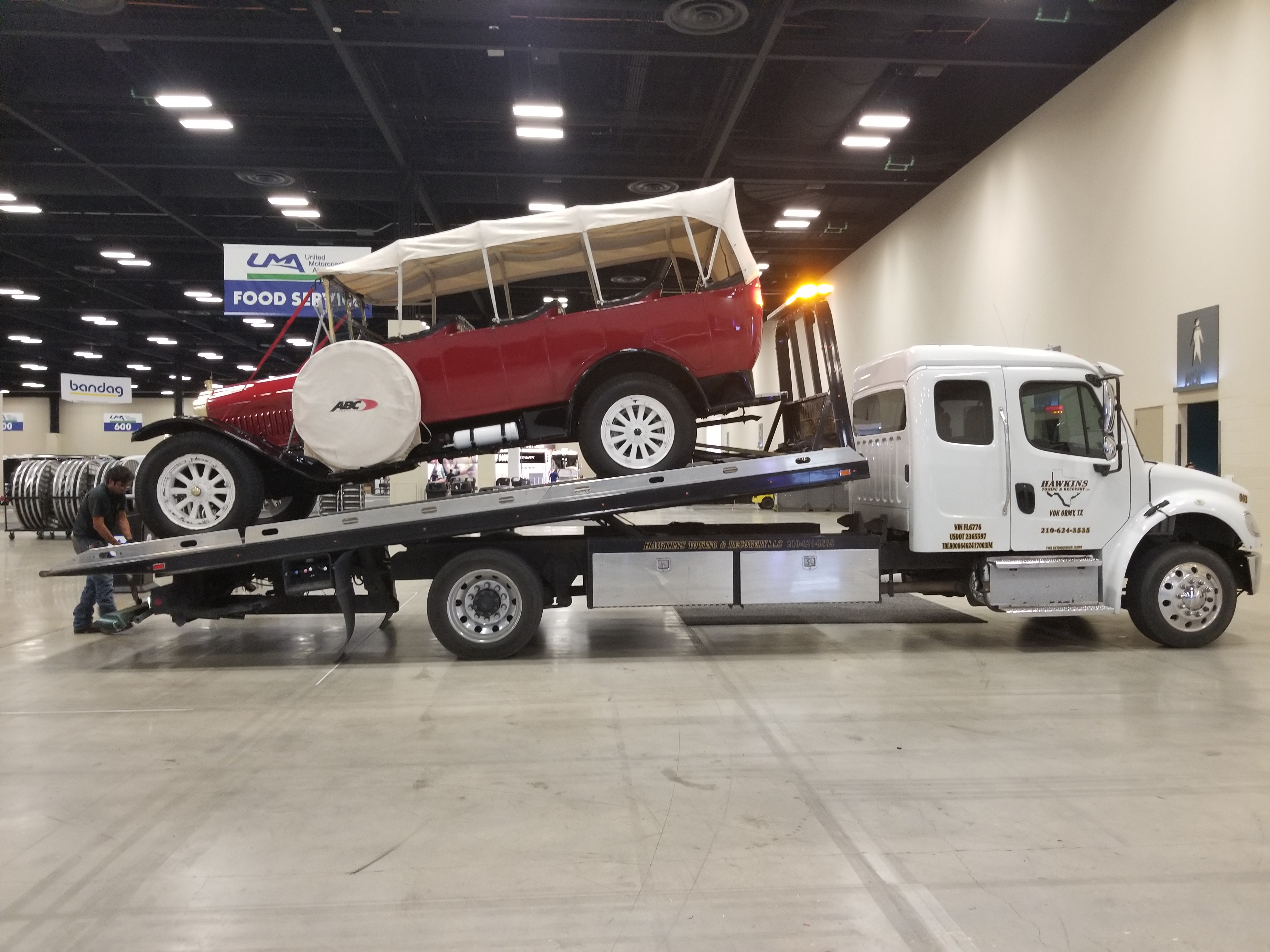 Hawkins Towing & Recovery image 4