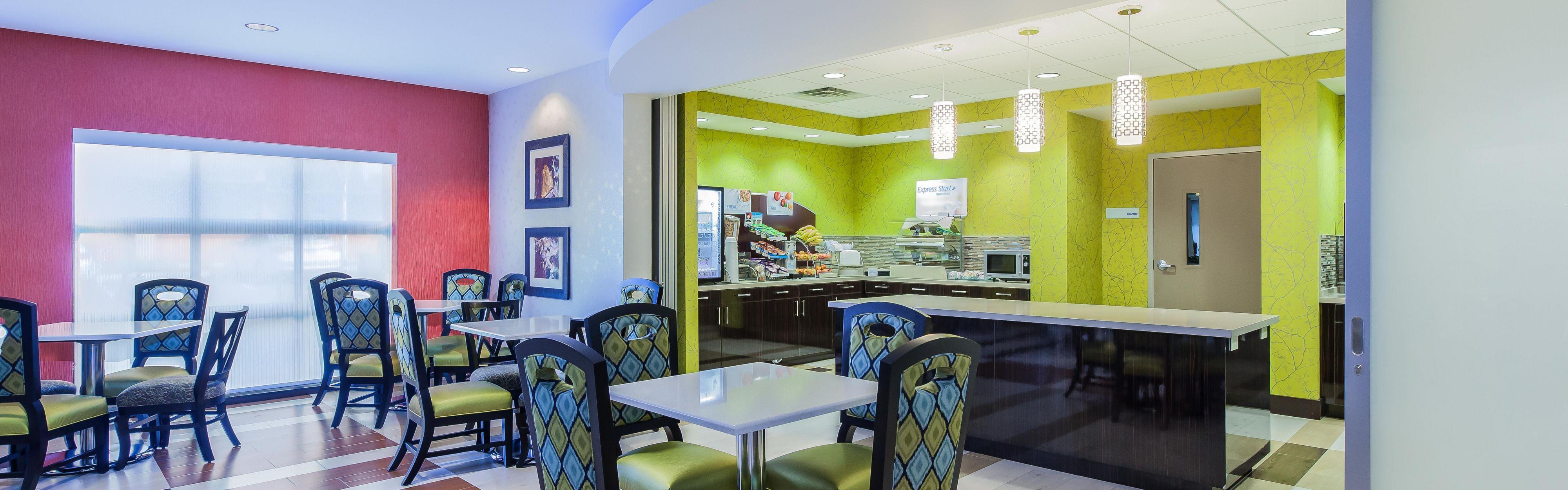 Holiday Inn Express & Suites Eureka image 3